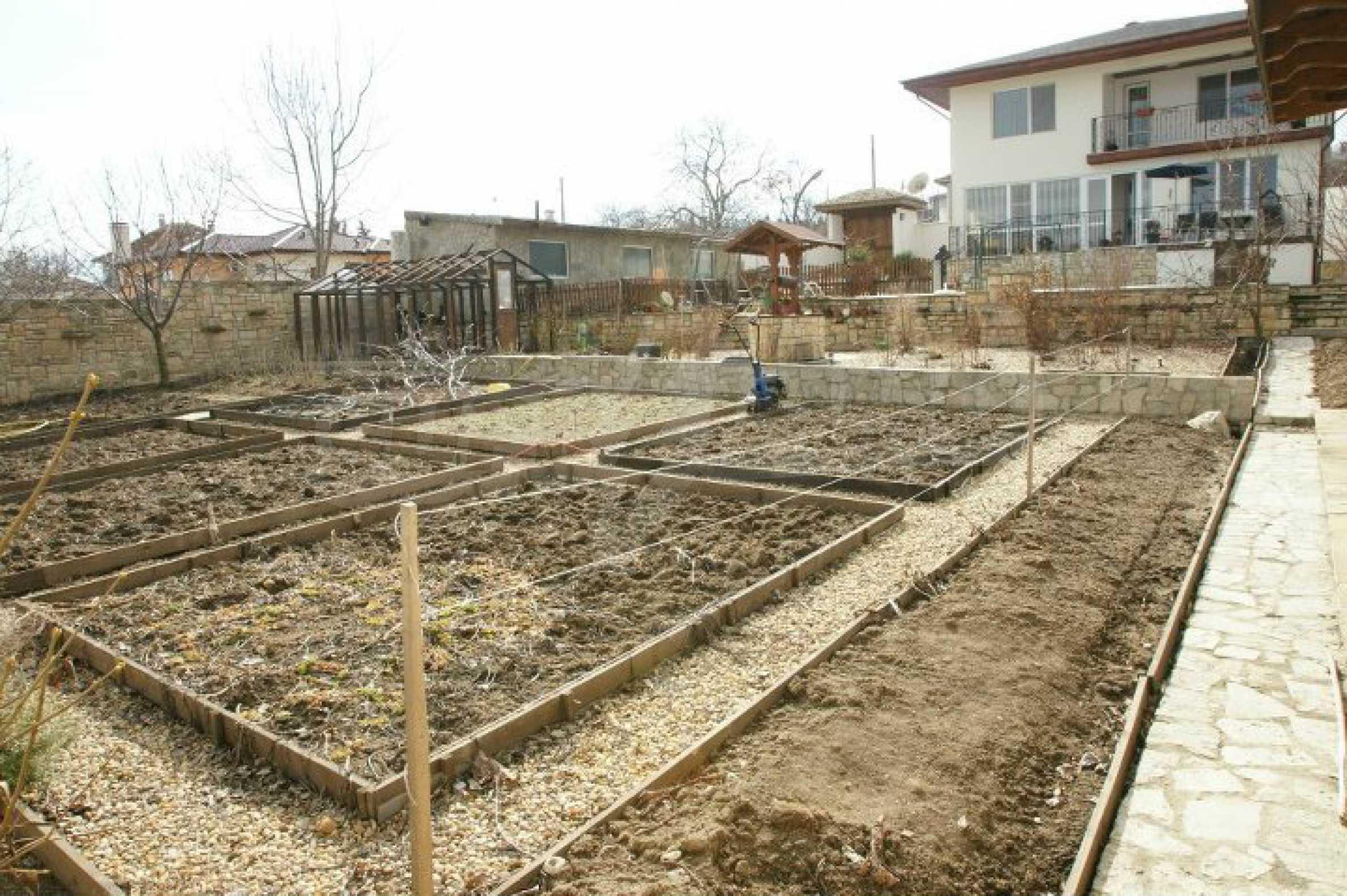 Zweistöckiges Haus mit Pool und Meerblick in der Nähe von Varna 27