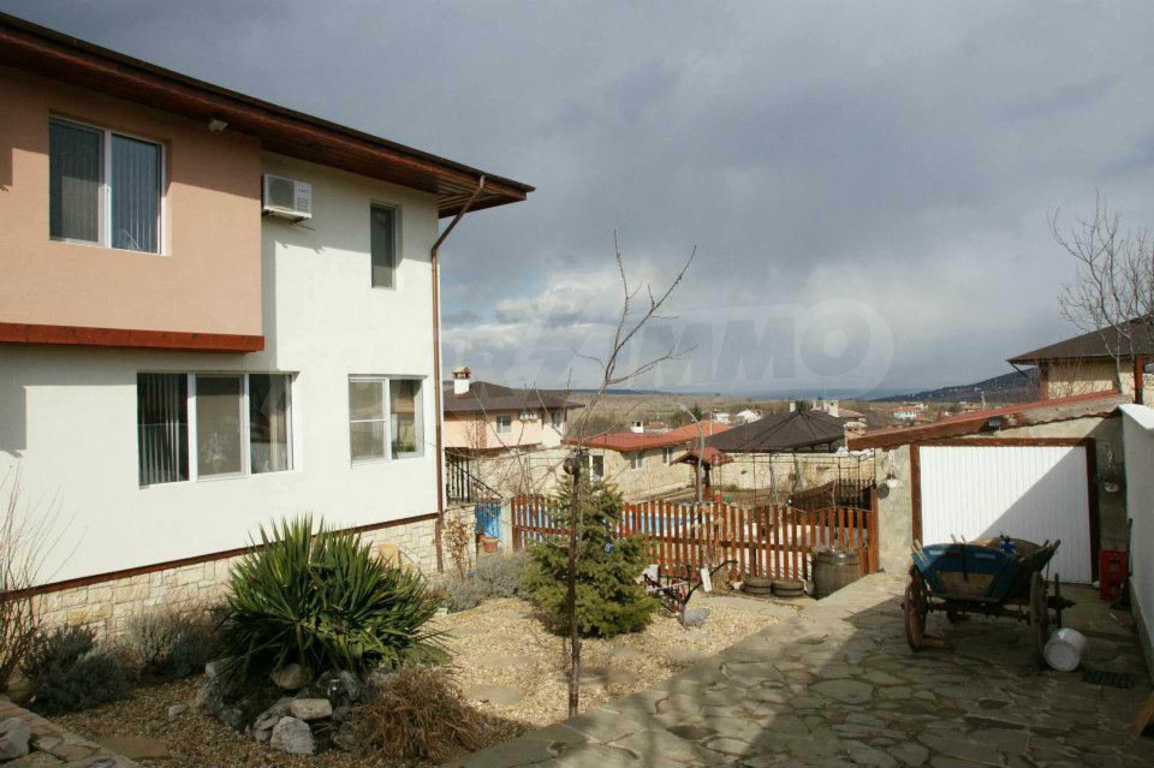 Zweistöckiges Haus mit Pool und Meerblick in der Nähe von Varna 29