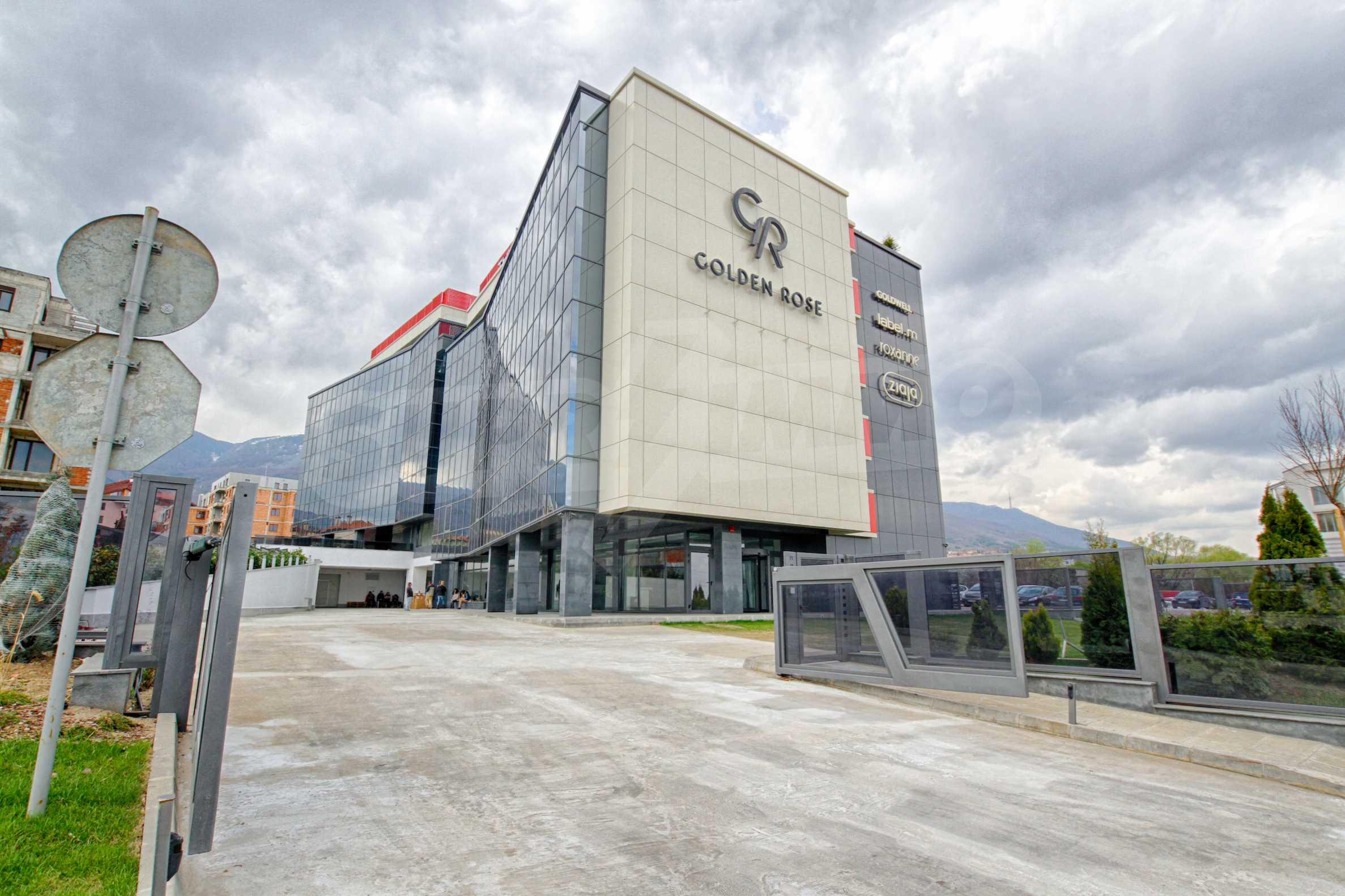 Панорамен офис в стилна сграда на Околовръстен път