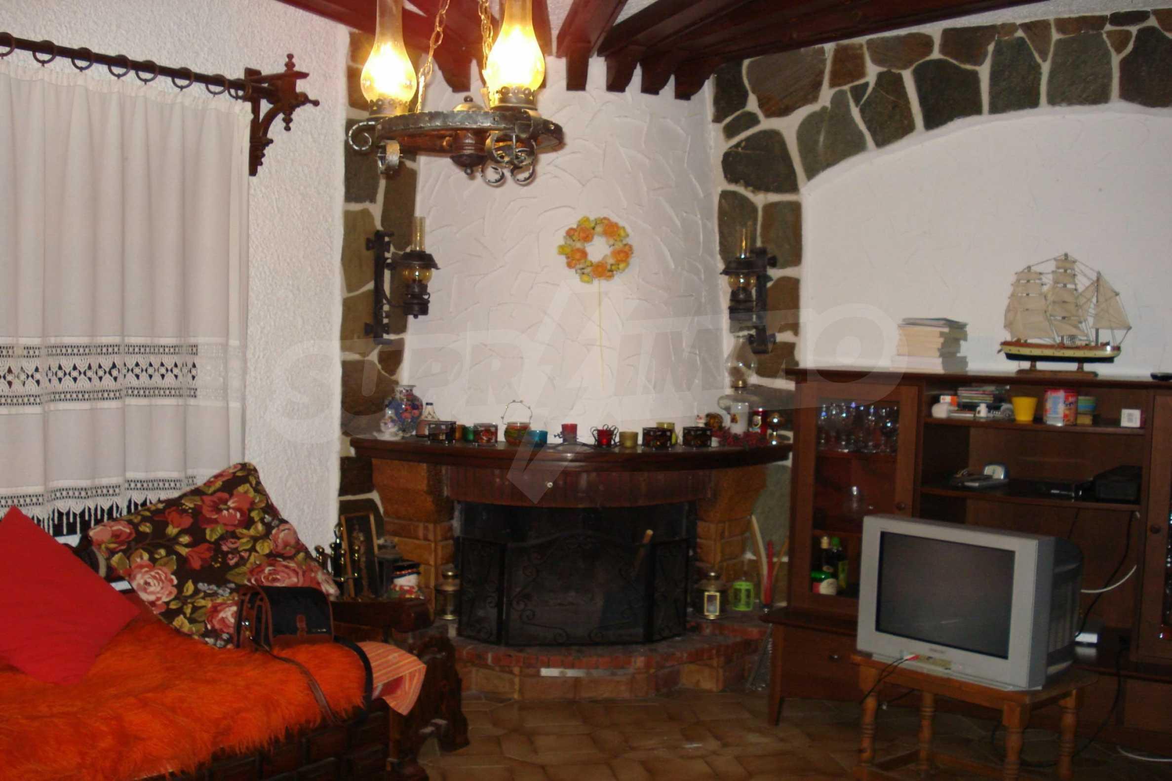 Къща  в  Никити 19