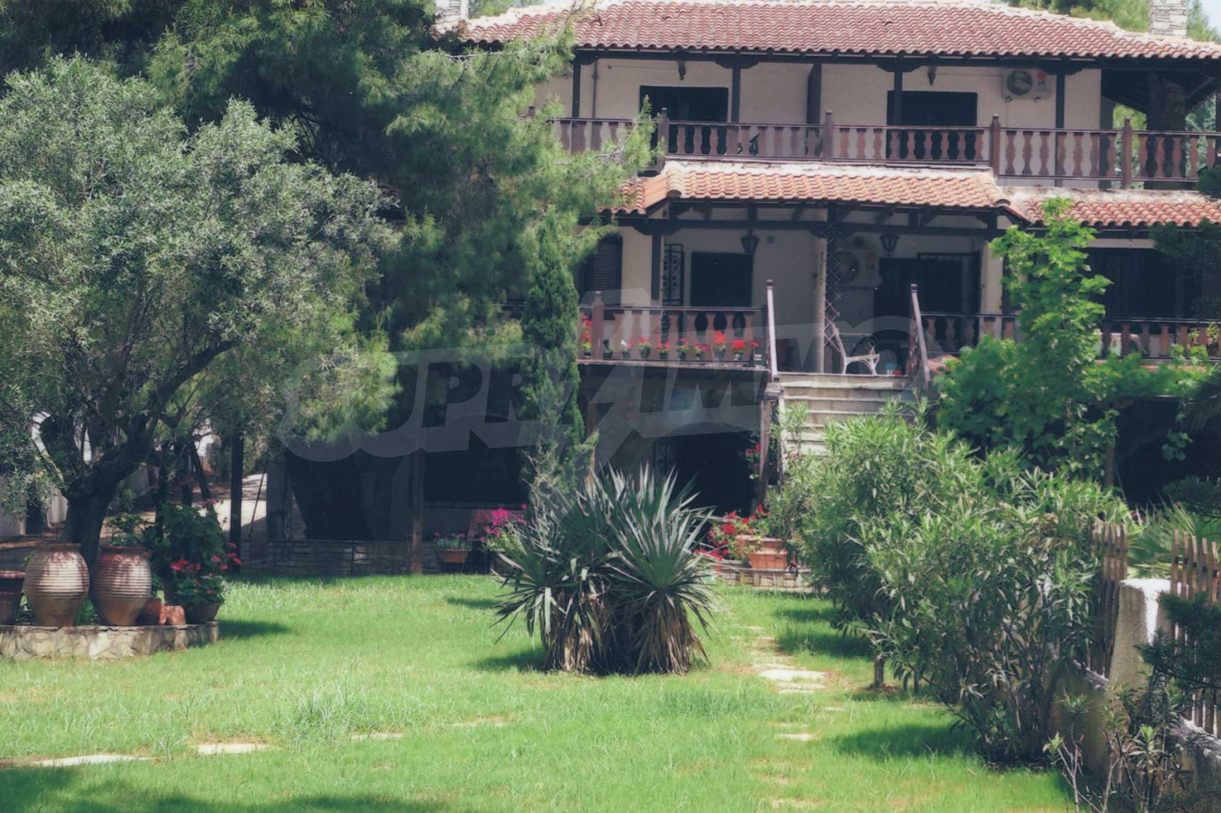 Къща  в  Никити 8
