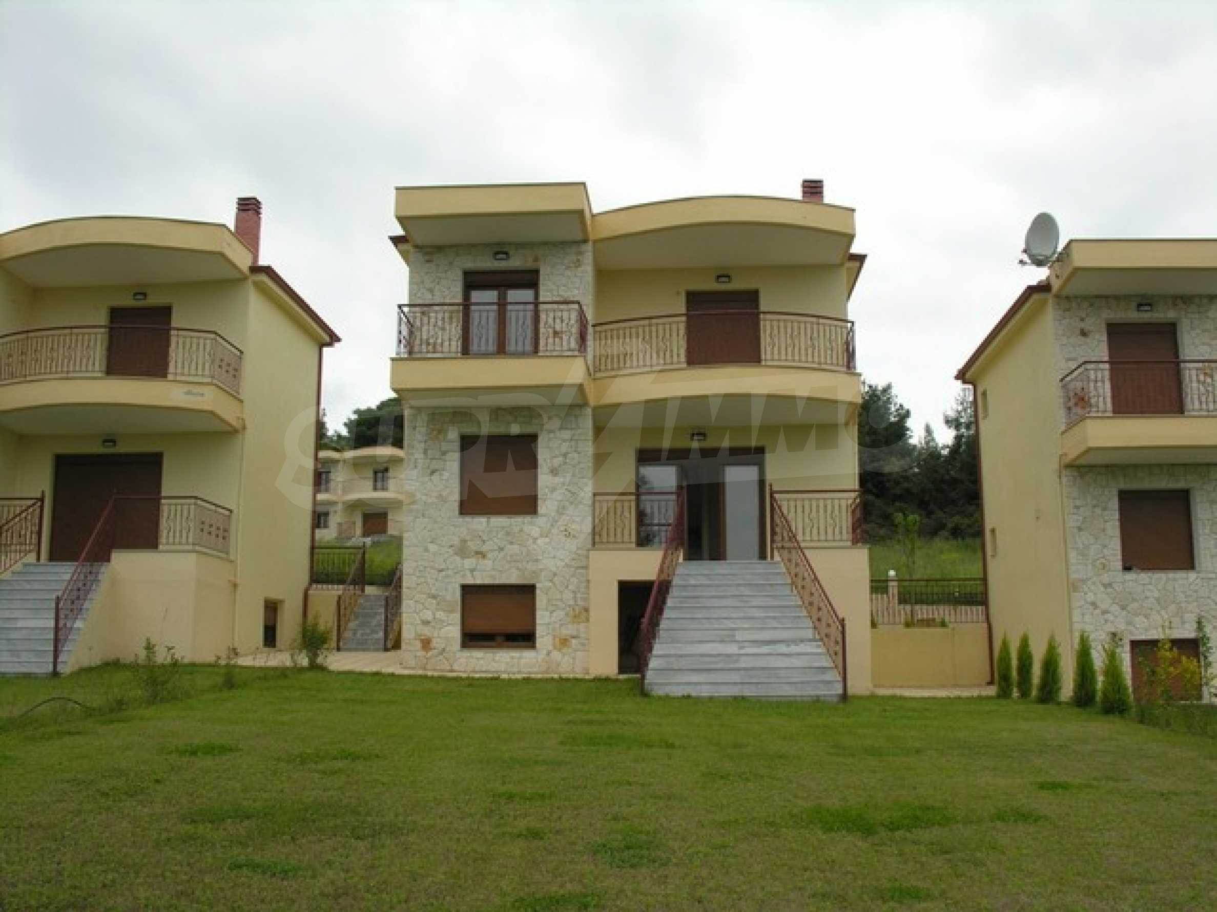 Къща  в  Полихроно 9