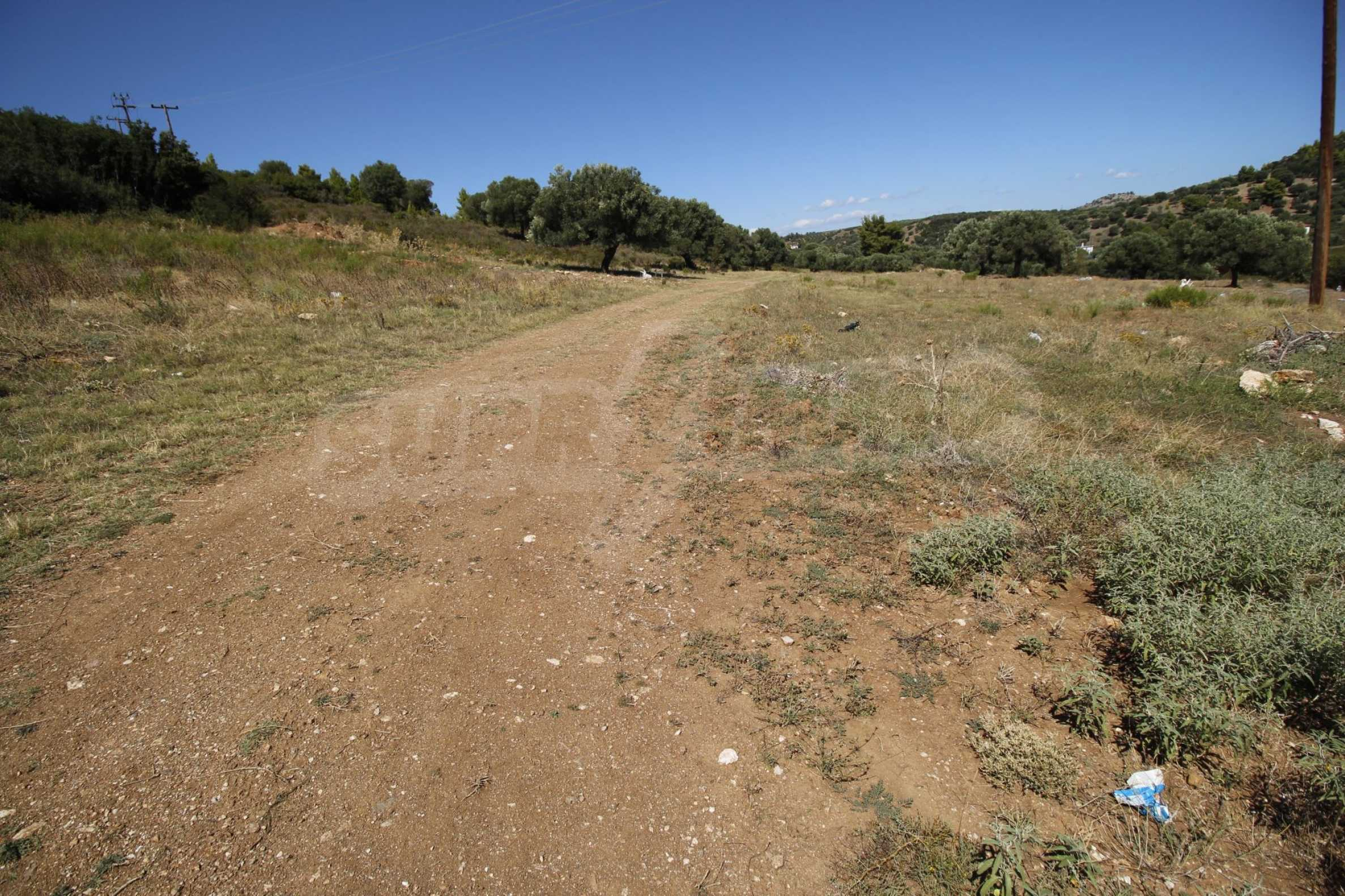 Земеделска земя  в  Никити 9
