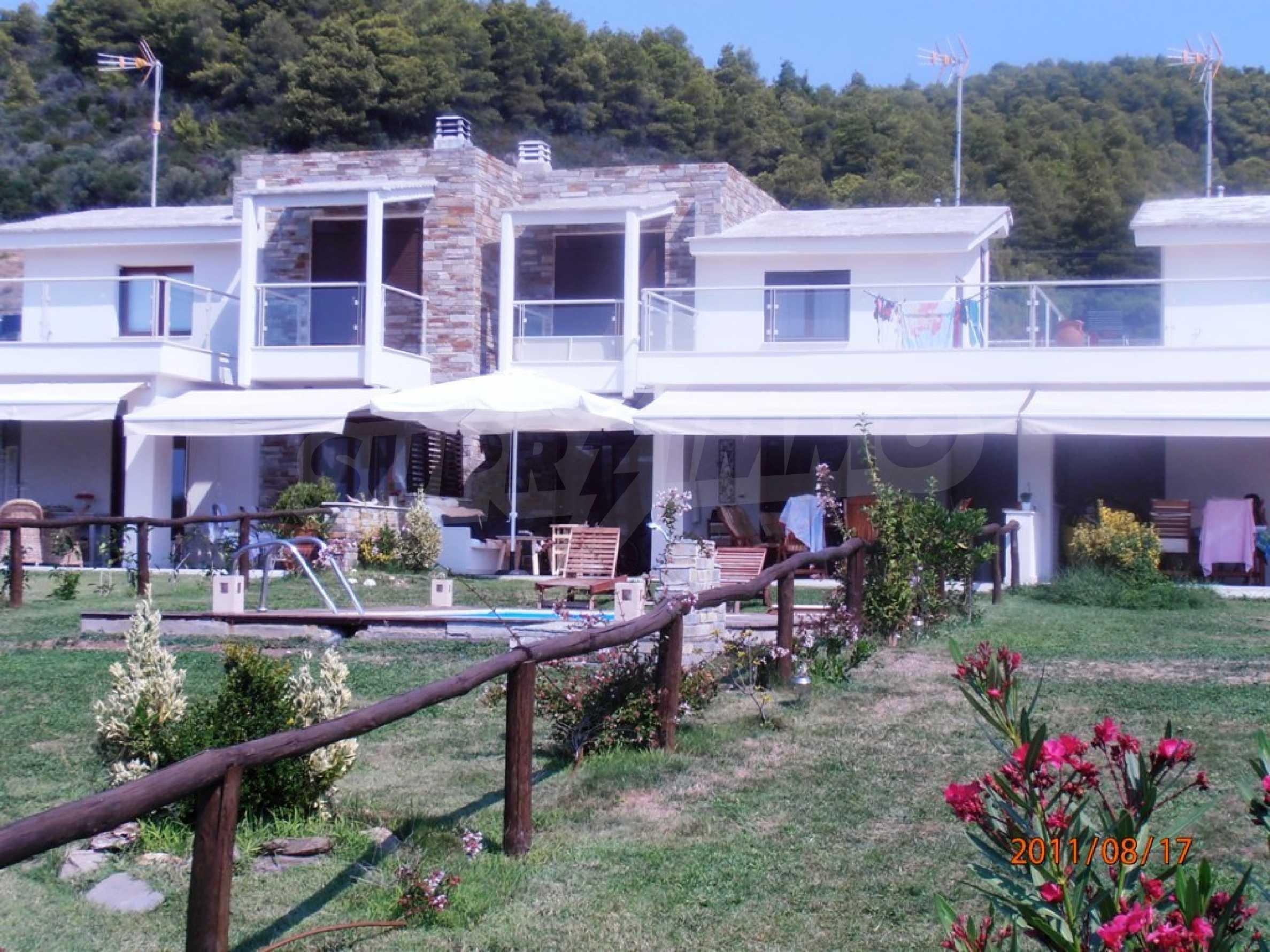 Къща  в  Акти Азапико 3