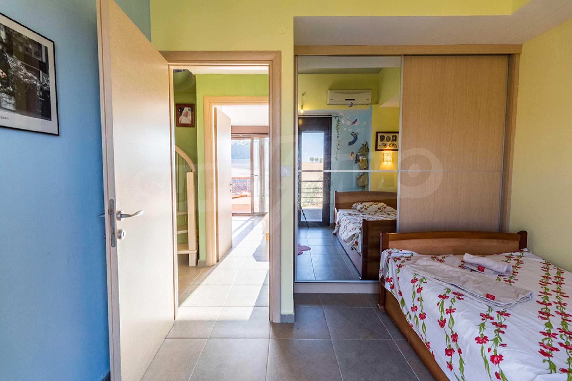 Къща  в  Сани 20