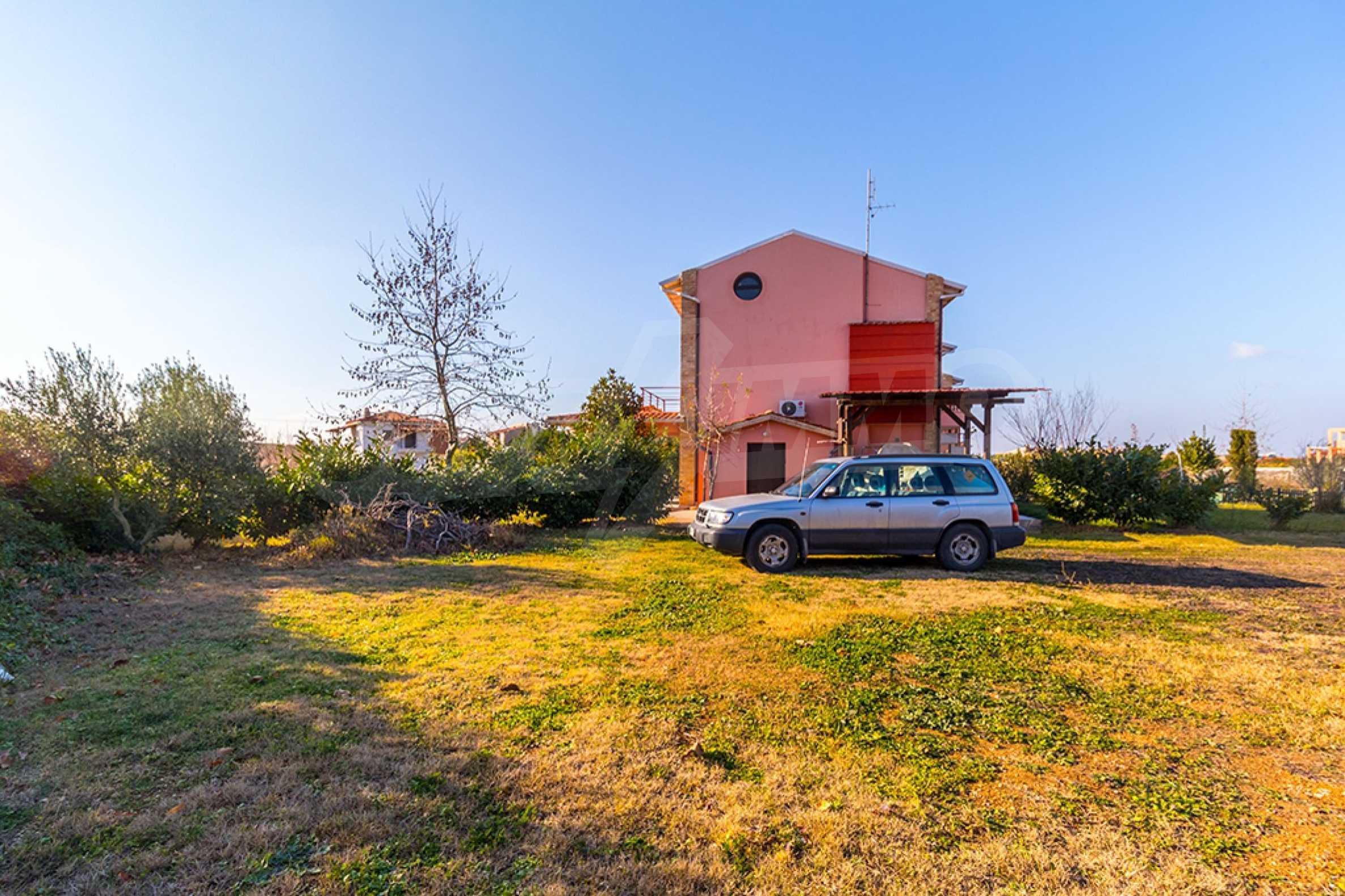 Къща  в  Сани 23