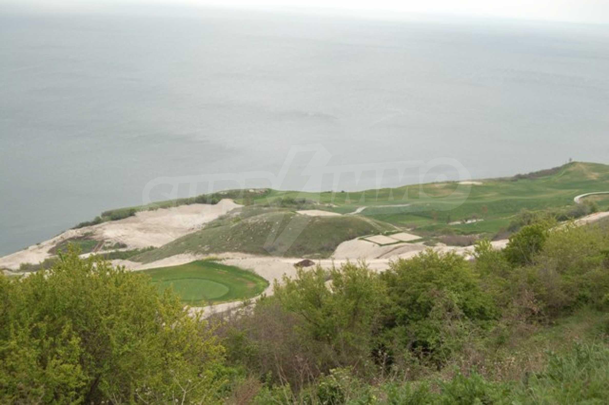 Regulated plots near Kavarna Golf courses 1