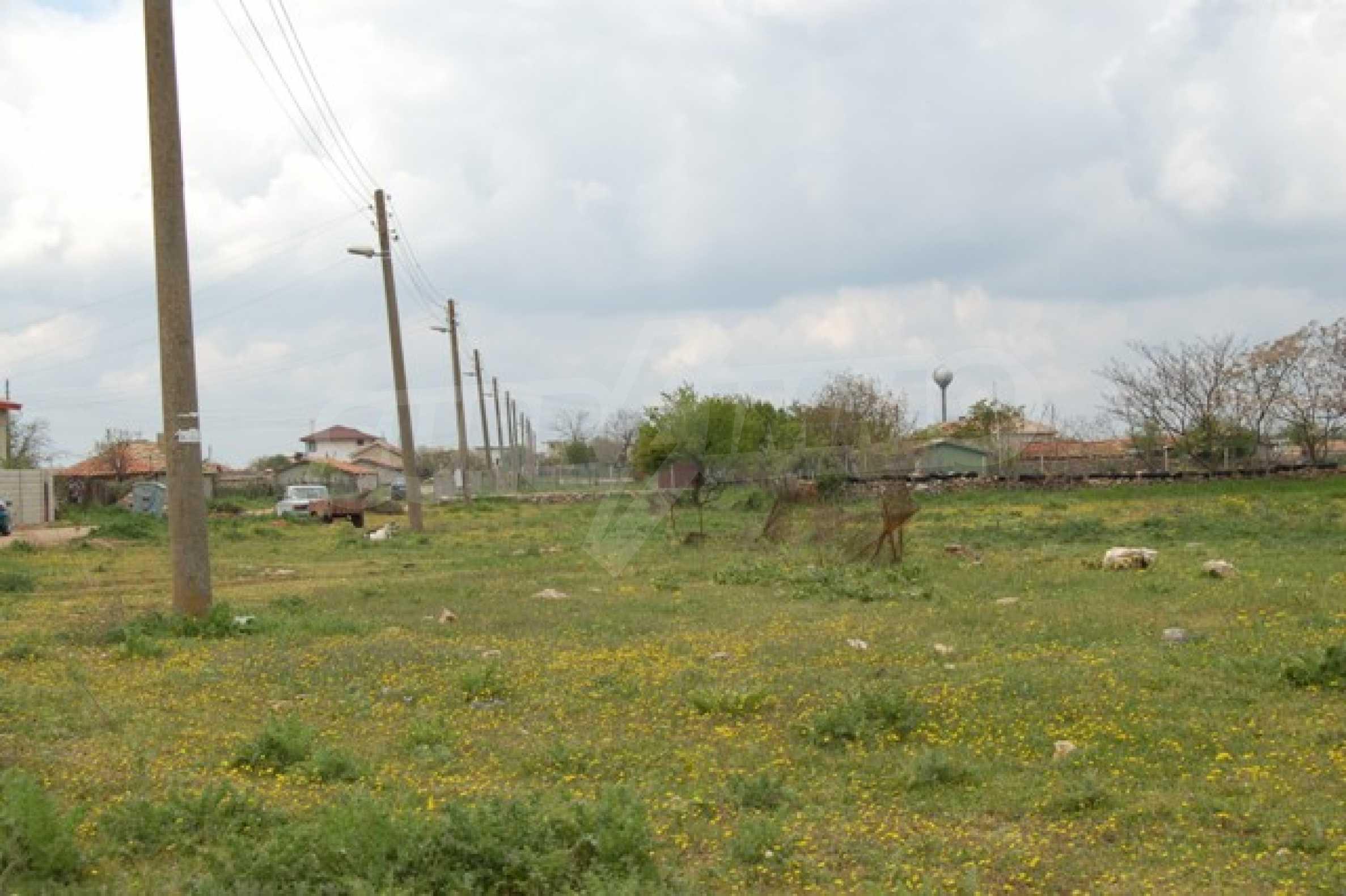 Regulated plots near Kavarna Golf courses 4