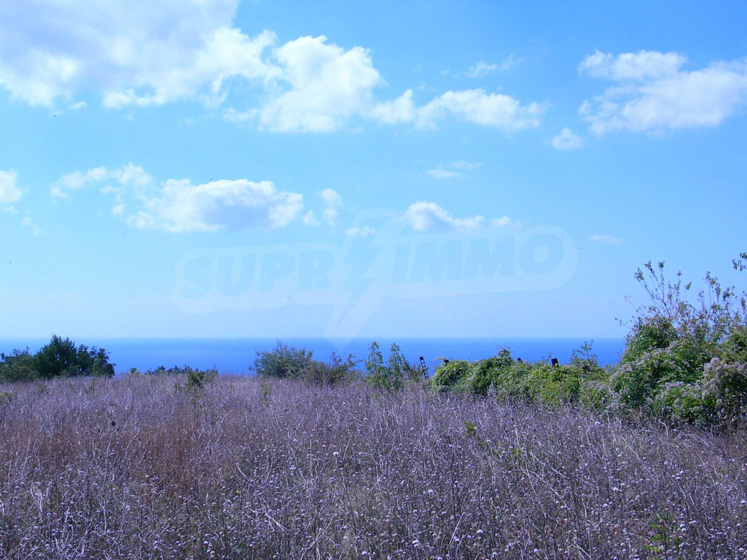 Plot of land in Topola village 1