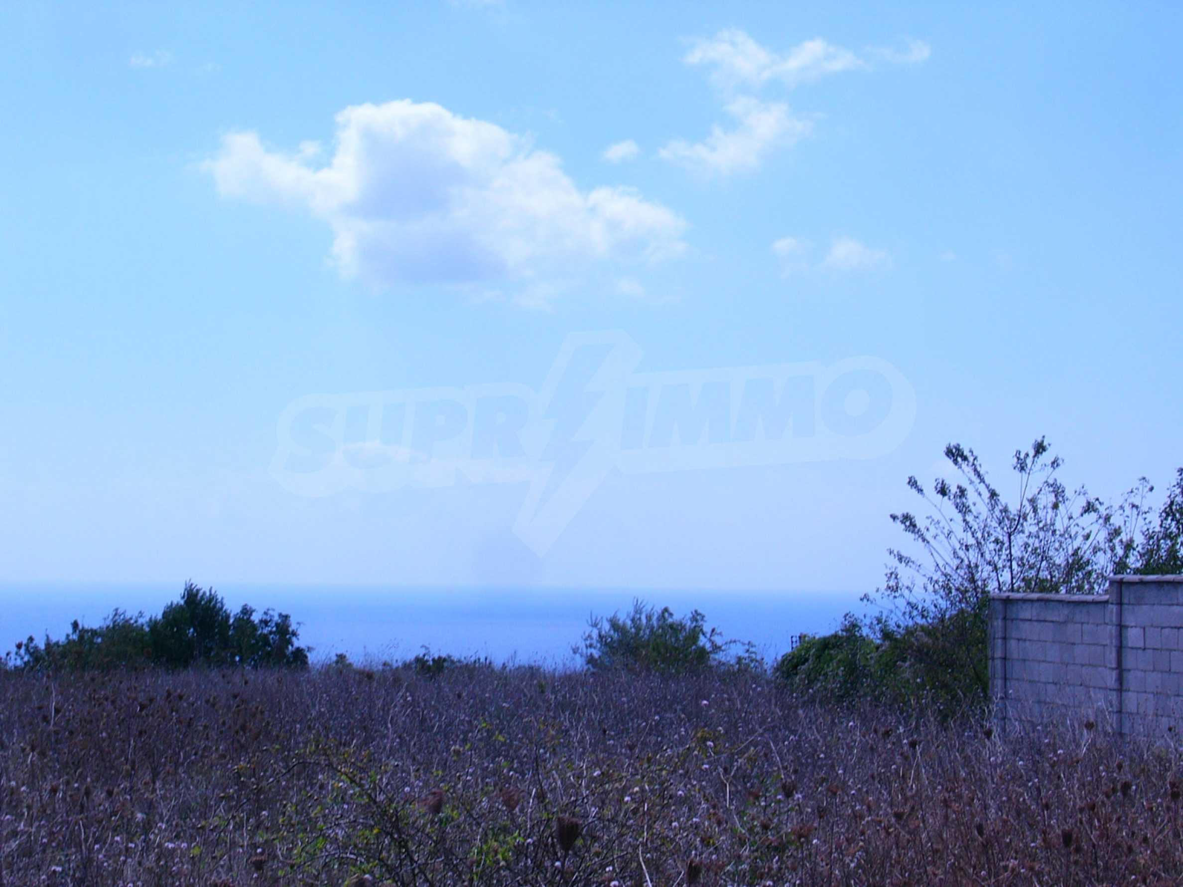 Plot of land in Topola village 3
