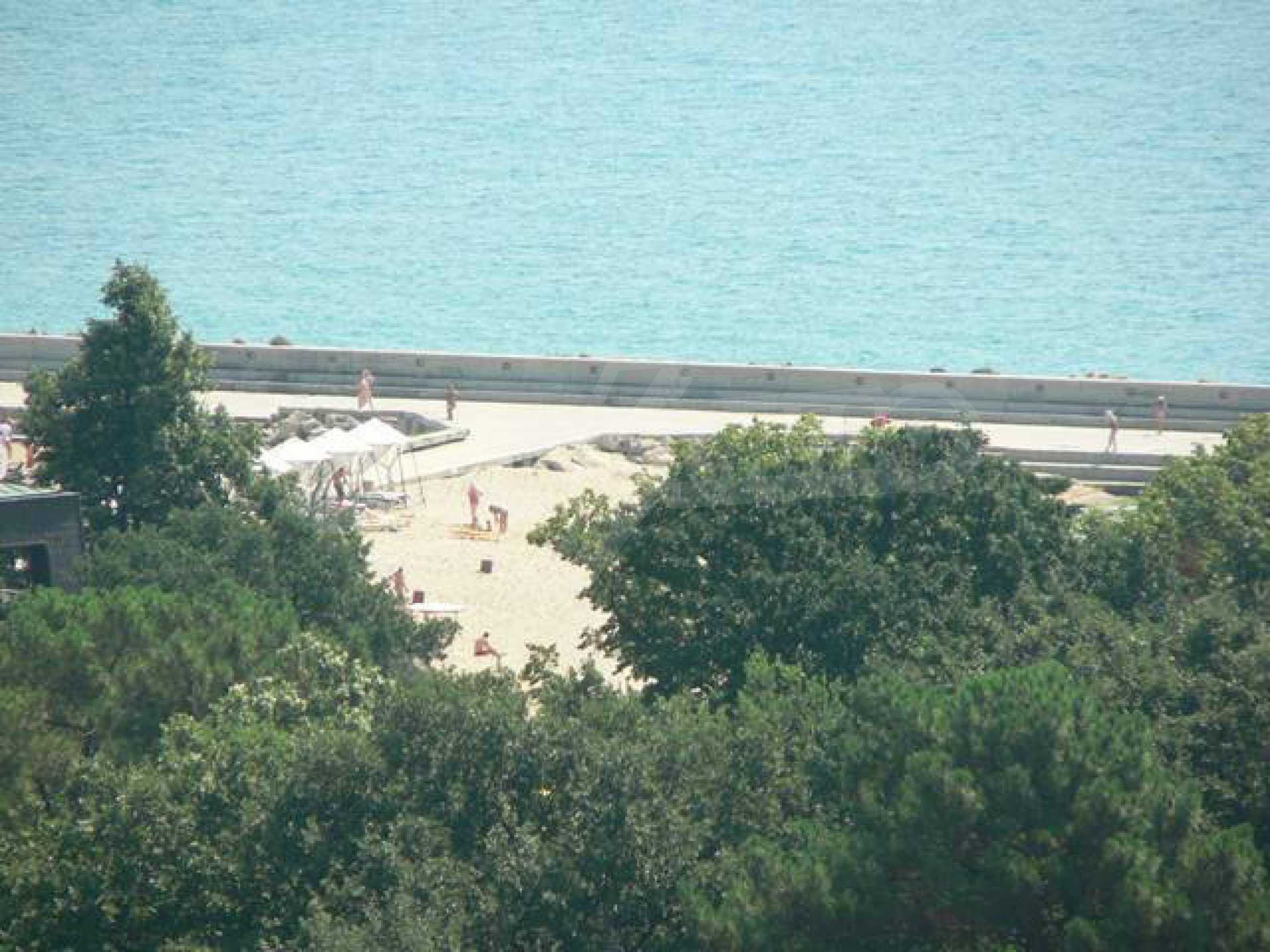 Riviera Park II 3