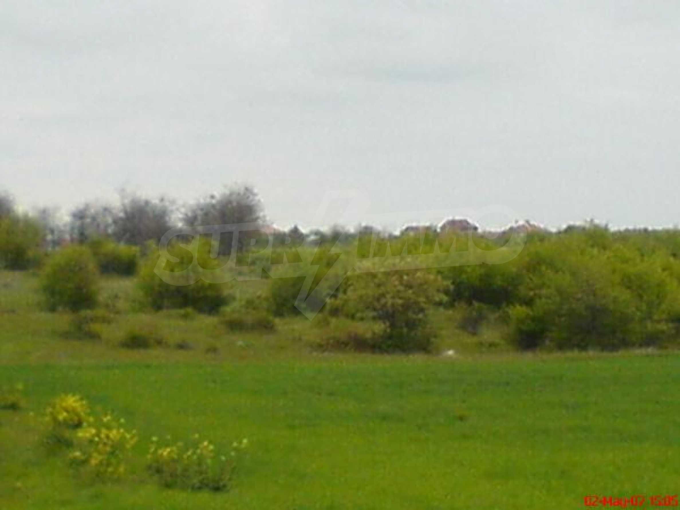 Geregeltes Grundstück in der Nähe des Dorfes Gen. Kantardzhievo 3