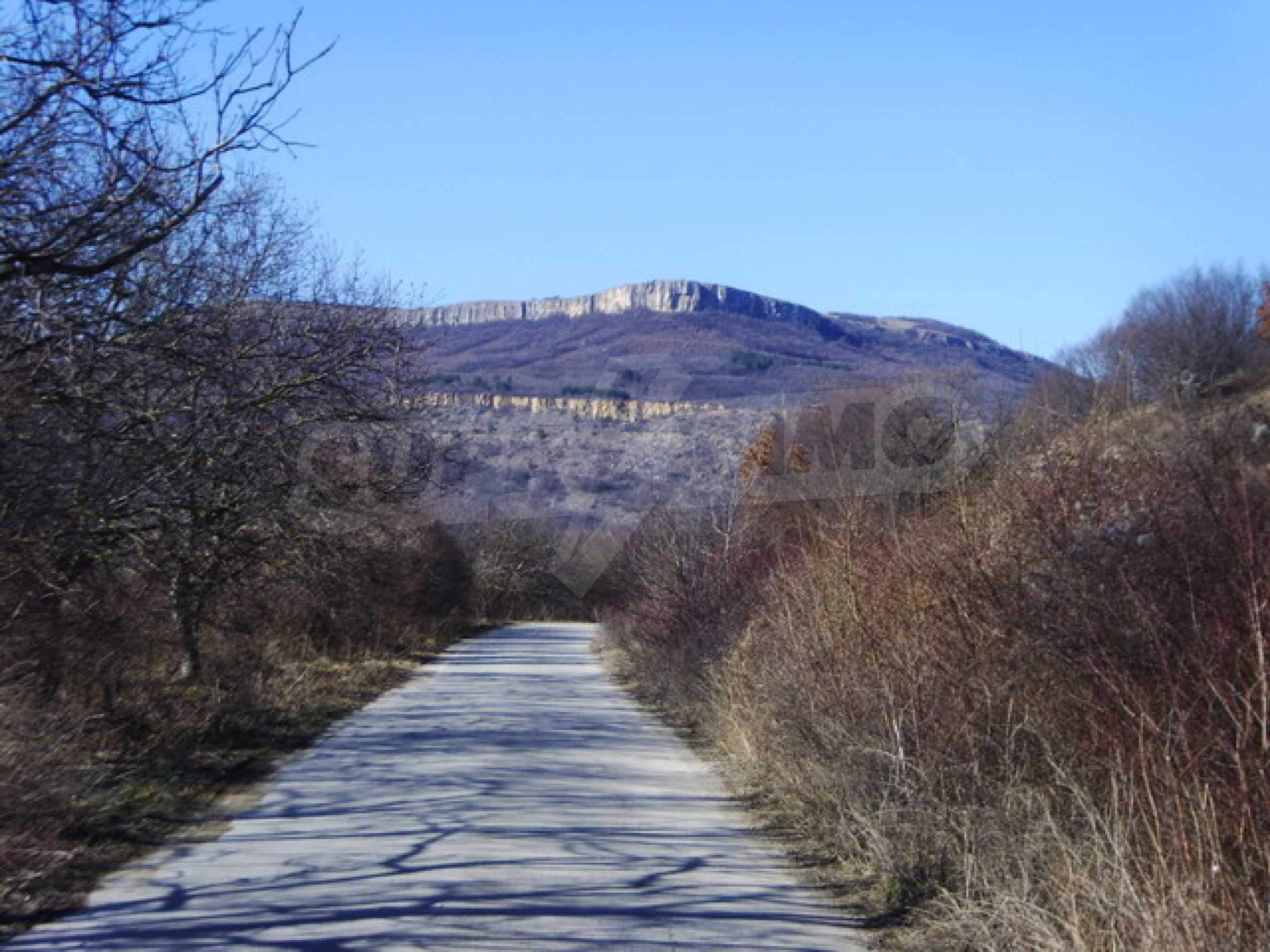 Къща в село близо до язовир Стамболийски 26