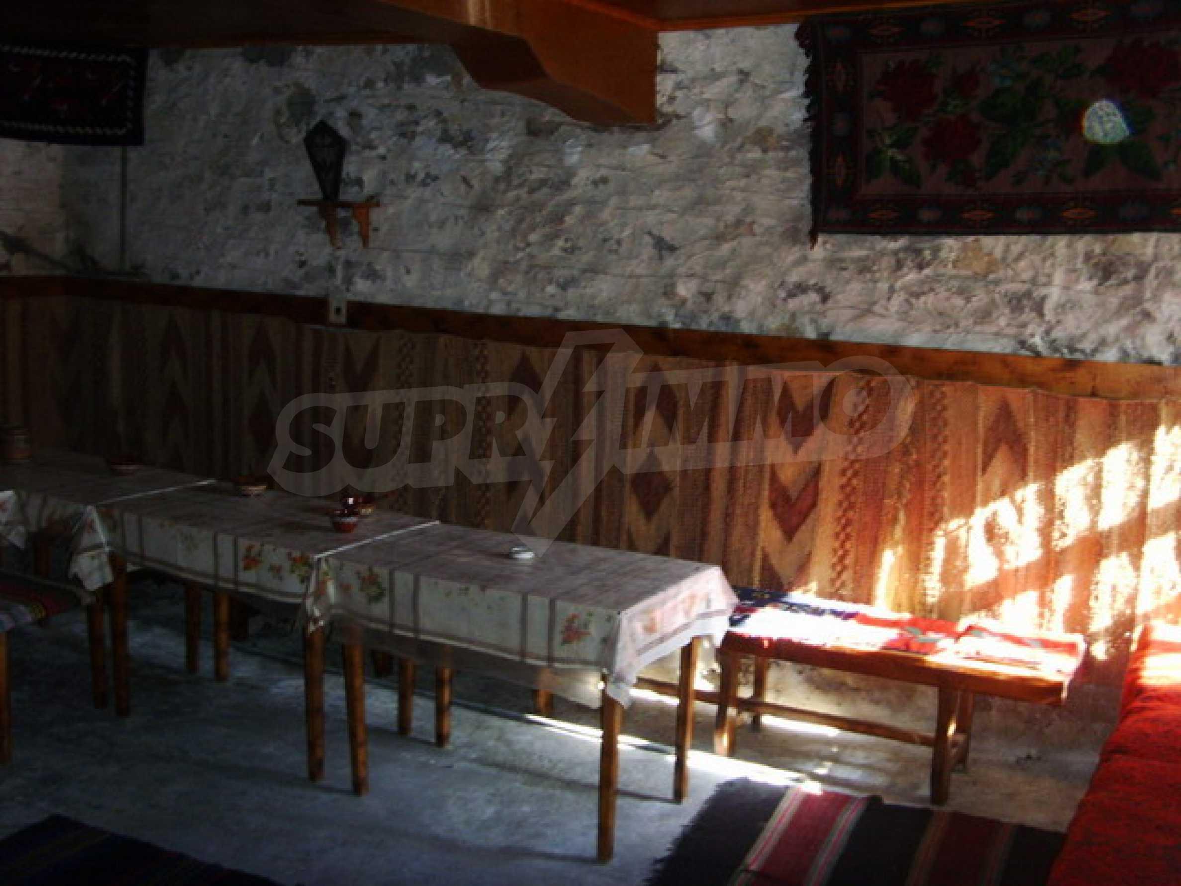 Къща в село близо до язовир Стамболийски 8