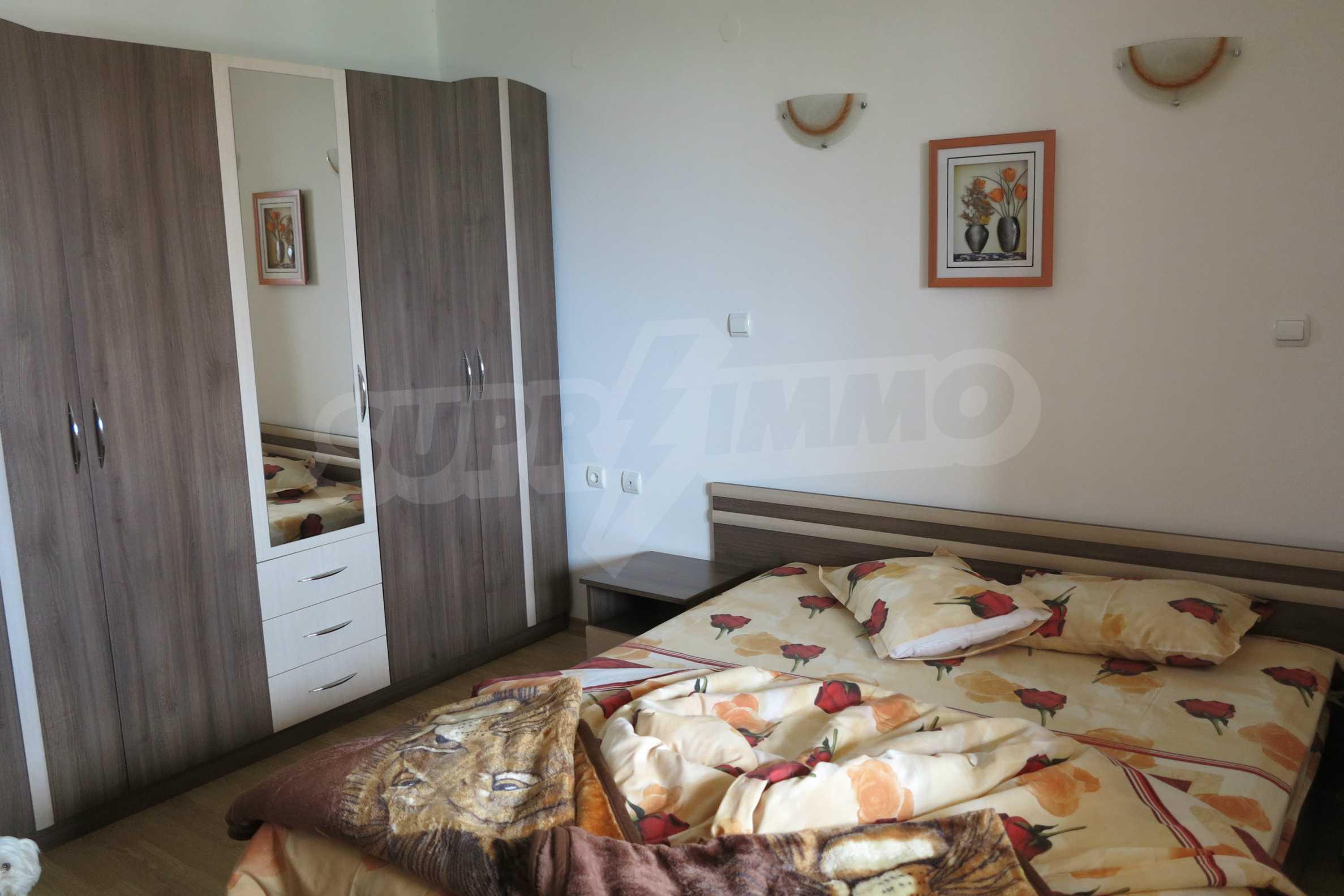Двуетажна планинска къща с двор и лесен достъп до София 24