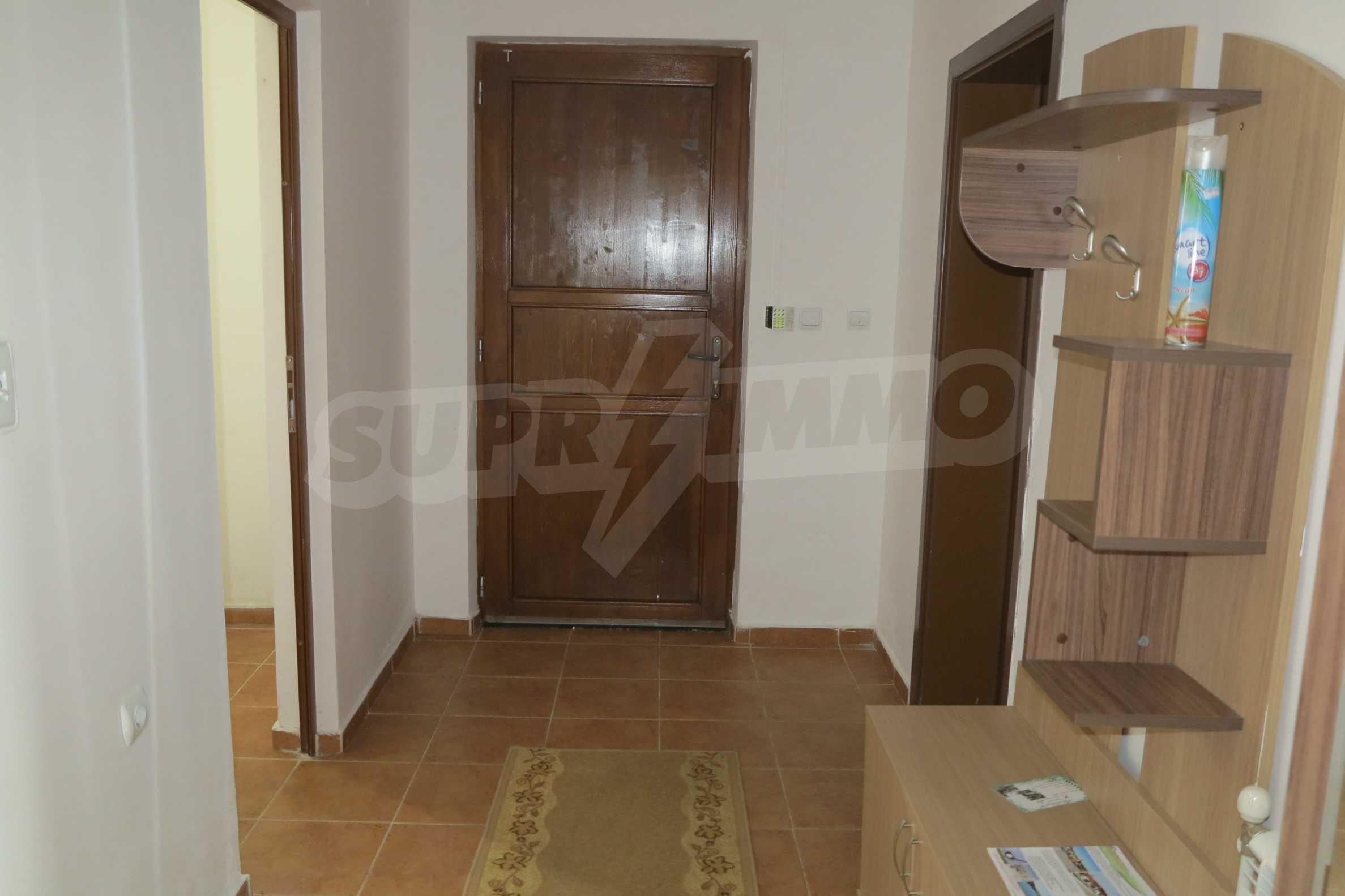 Двуетажна планинска къща с двор и лесен достъп до София 31
