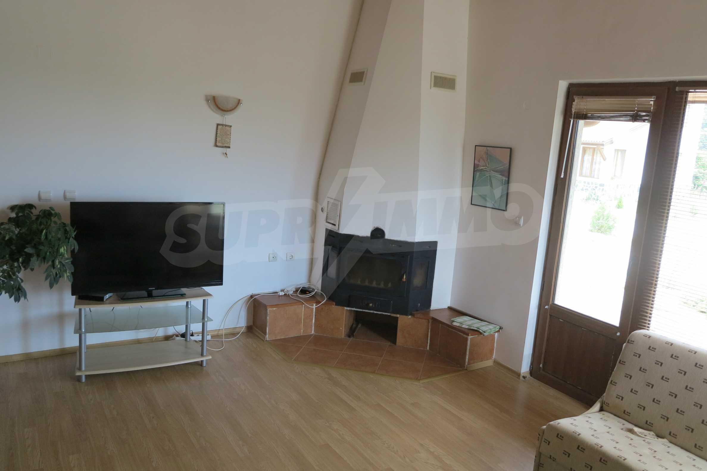 Двуетажна планинска къща с двор и лесен достъп до София 6