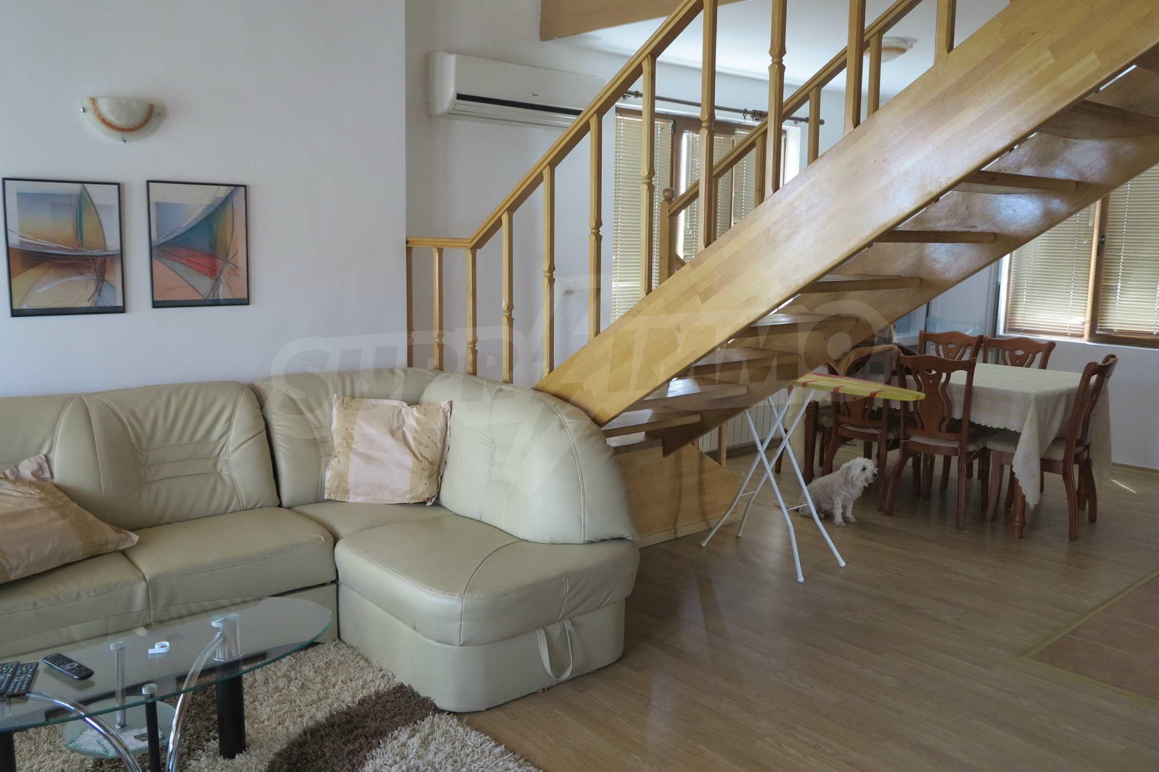 Двуетажна планинска къща с двор и лесен достъп до София 8