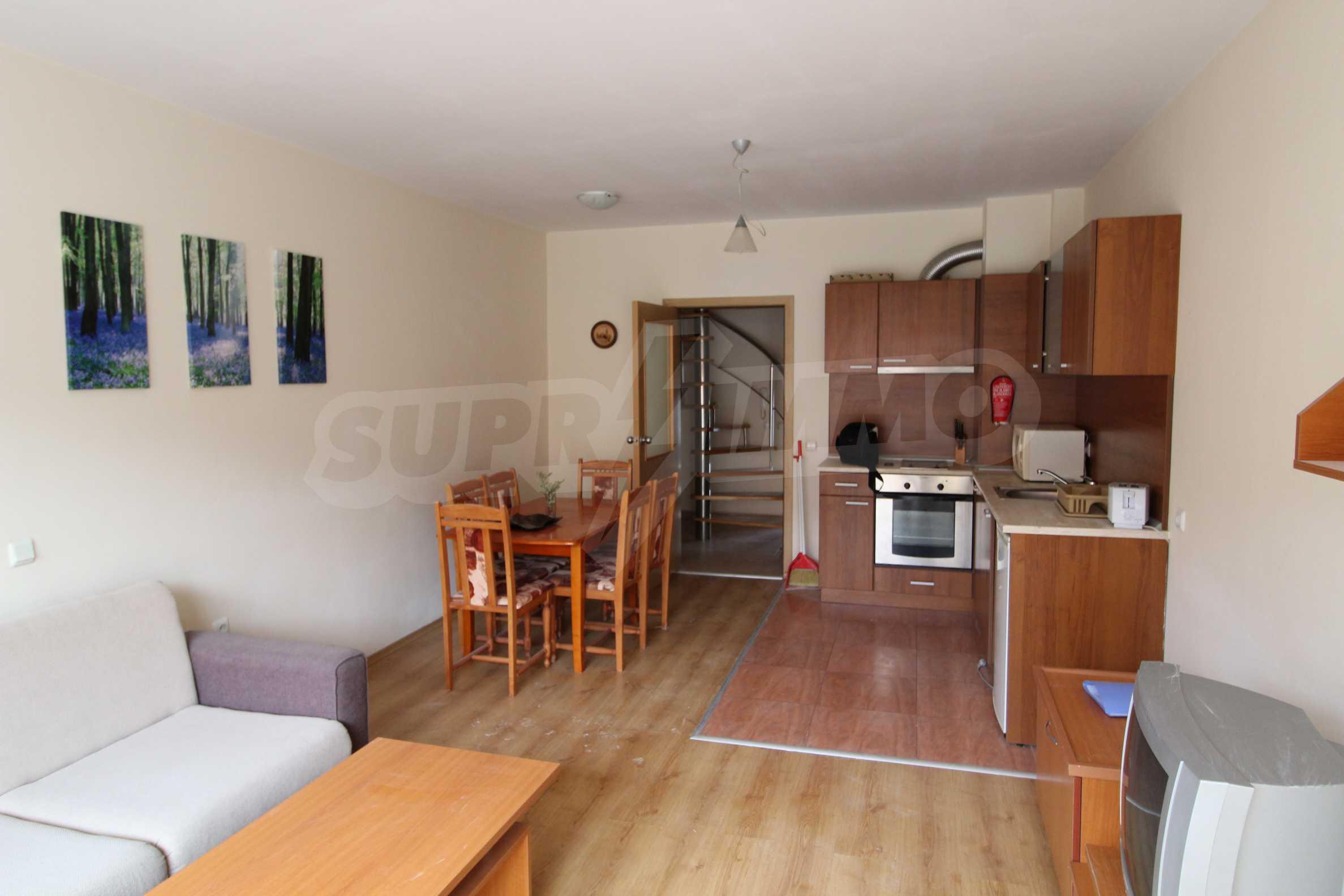 Тристаен апартамент в планински курорт Банско 3