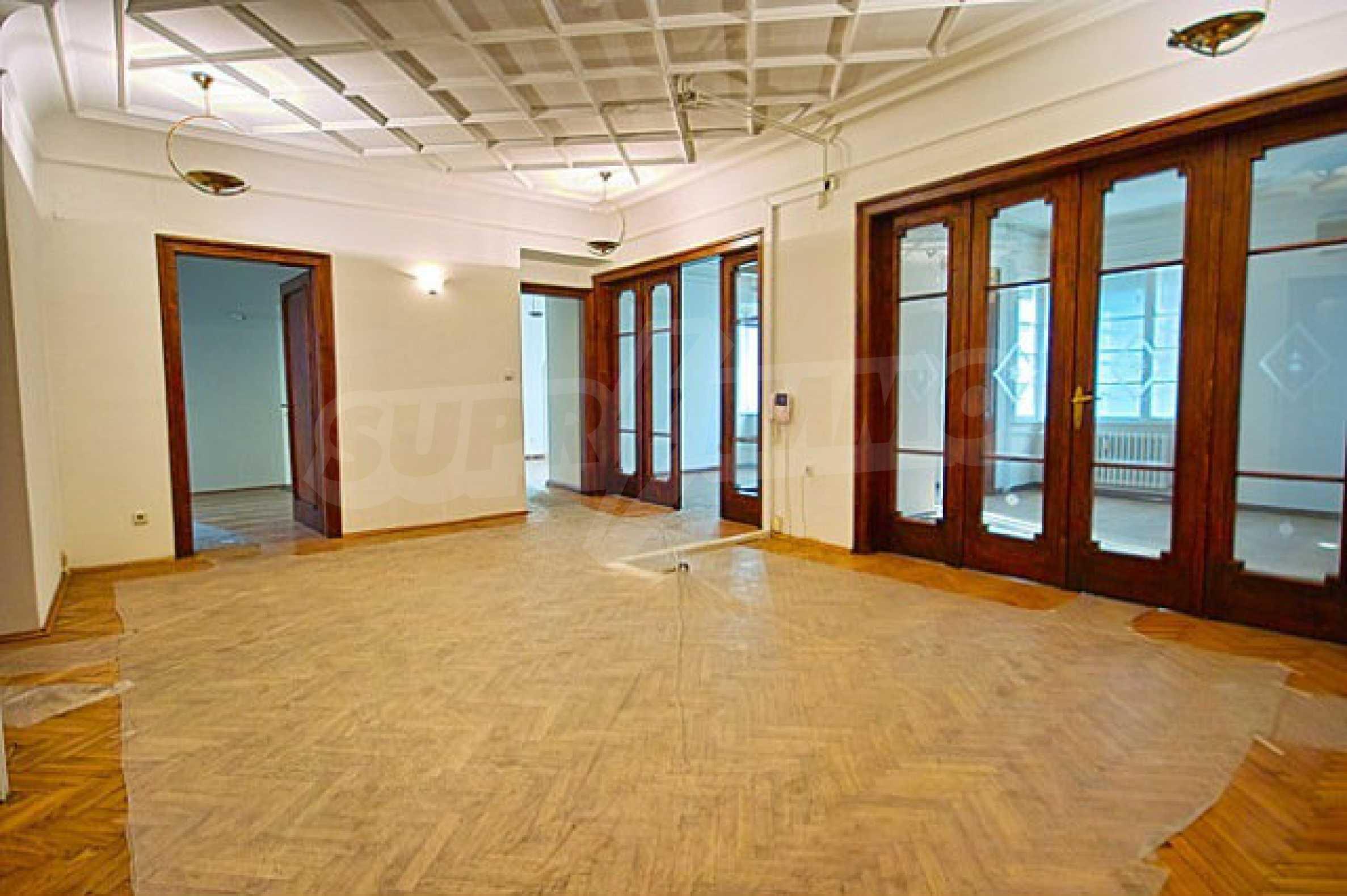 Офис в г. София