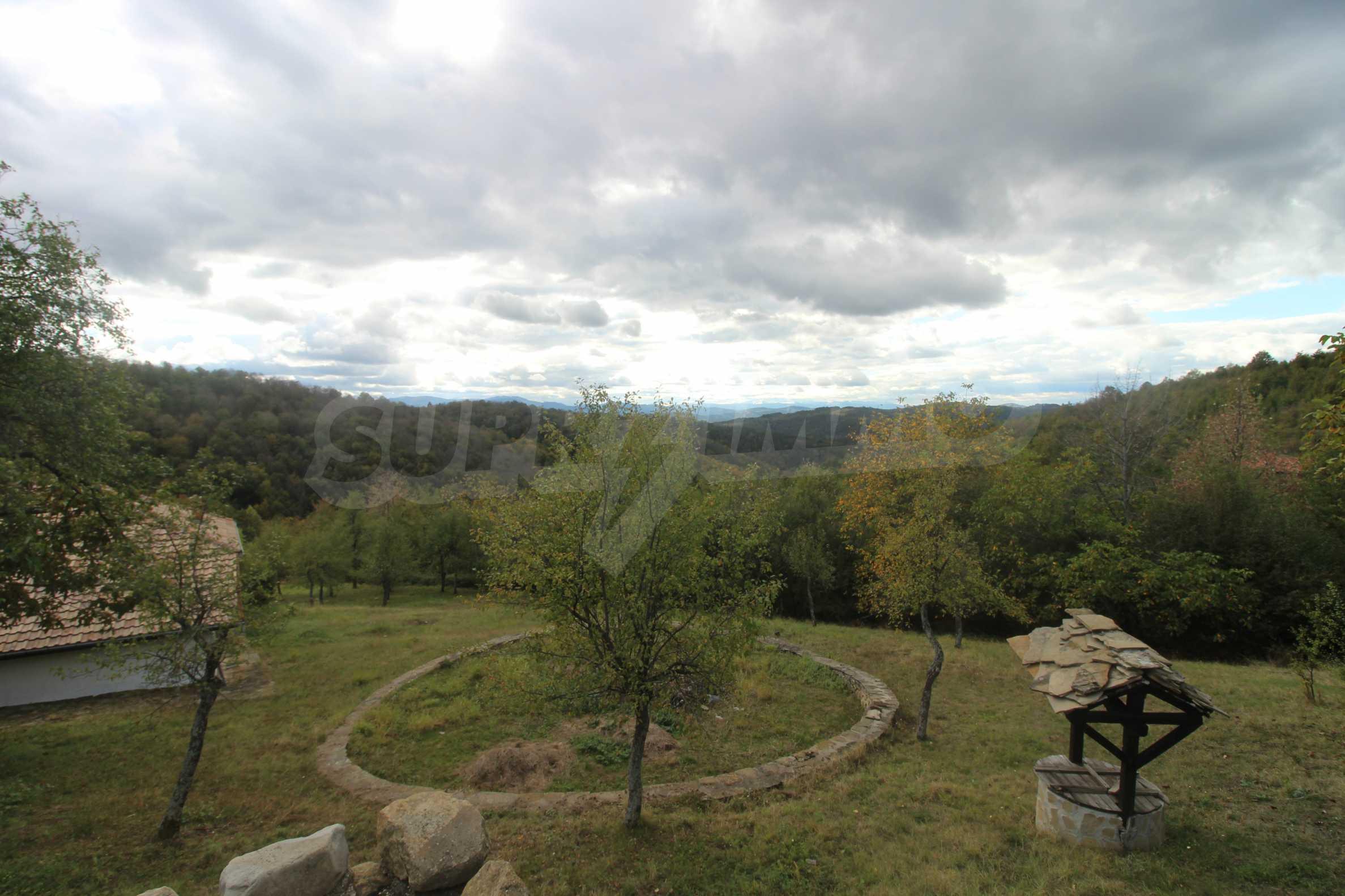 Luxuriöses Berggut mit einem sehr großen Garten auf dem Balkan, 17 km von Tryavna entfernt 9