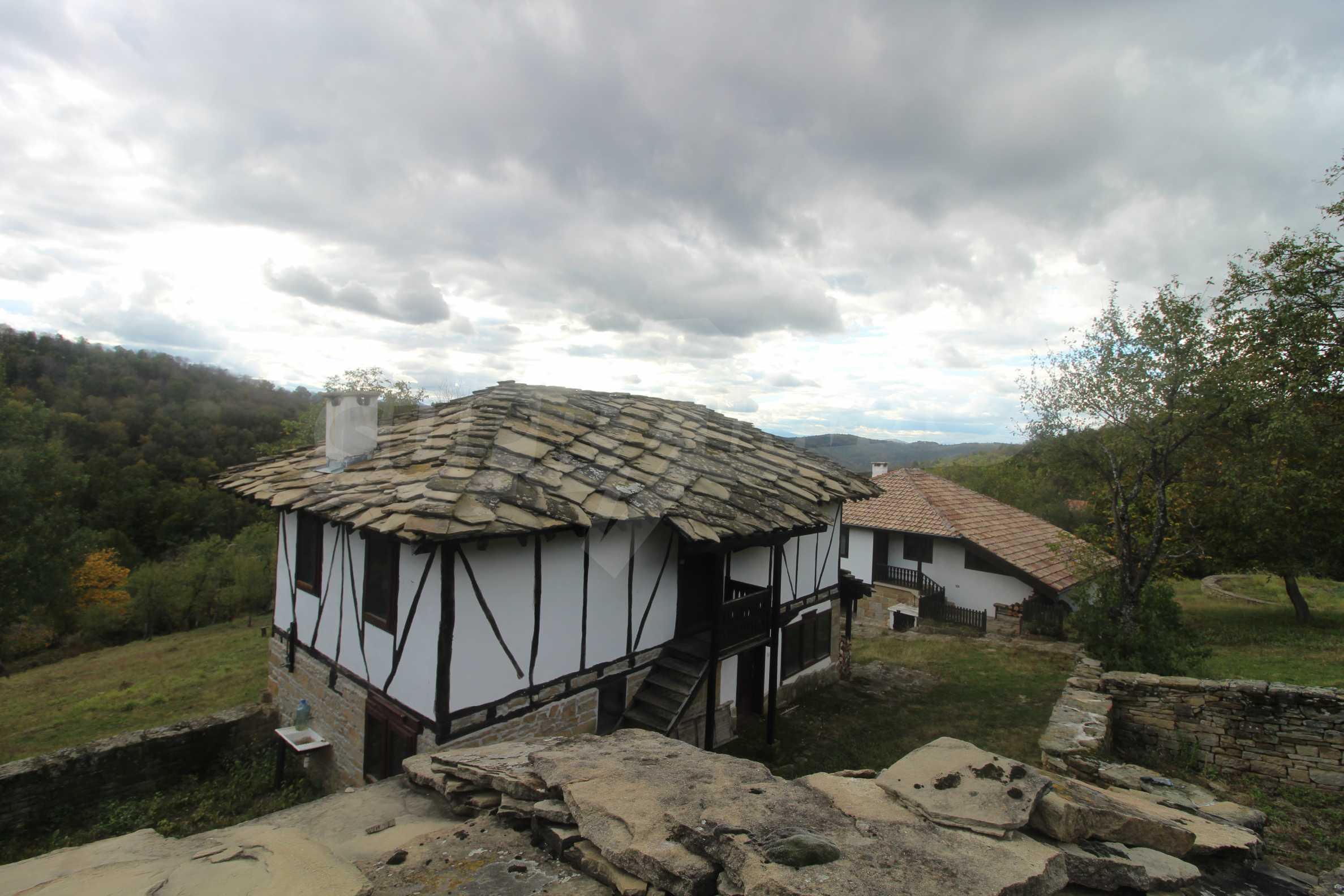 Luxuriöses Berggut mit einem sehr großen Garten auf dem Balkan, 17 km von Tryavna entfernt 10