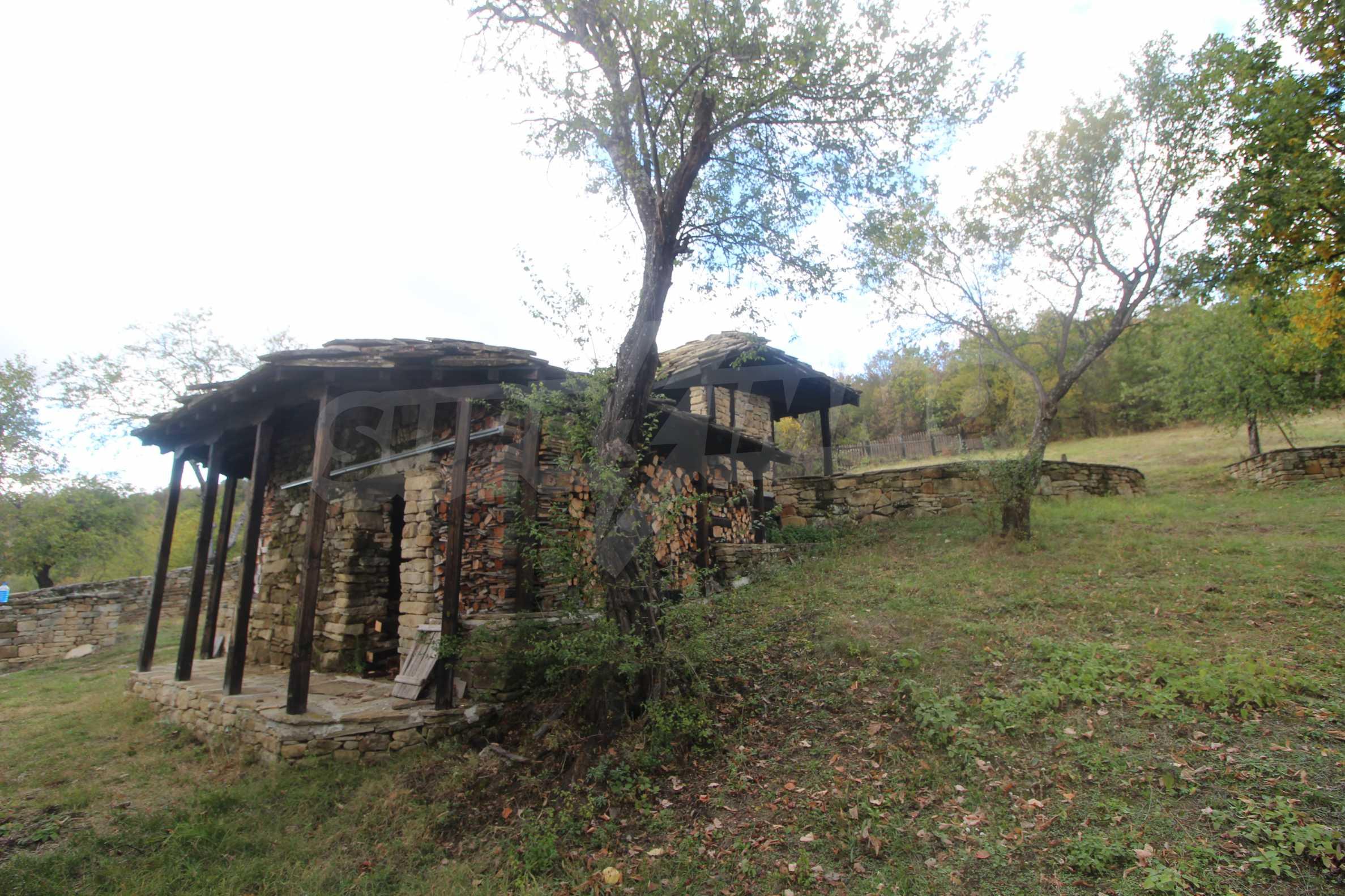 Luxuriöses Berggut mit einem sehr großen Garten auf dem Balkan, 17 km von Tryavna entfernt 14