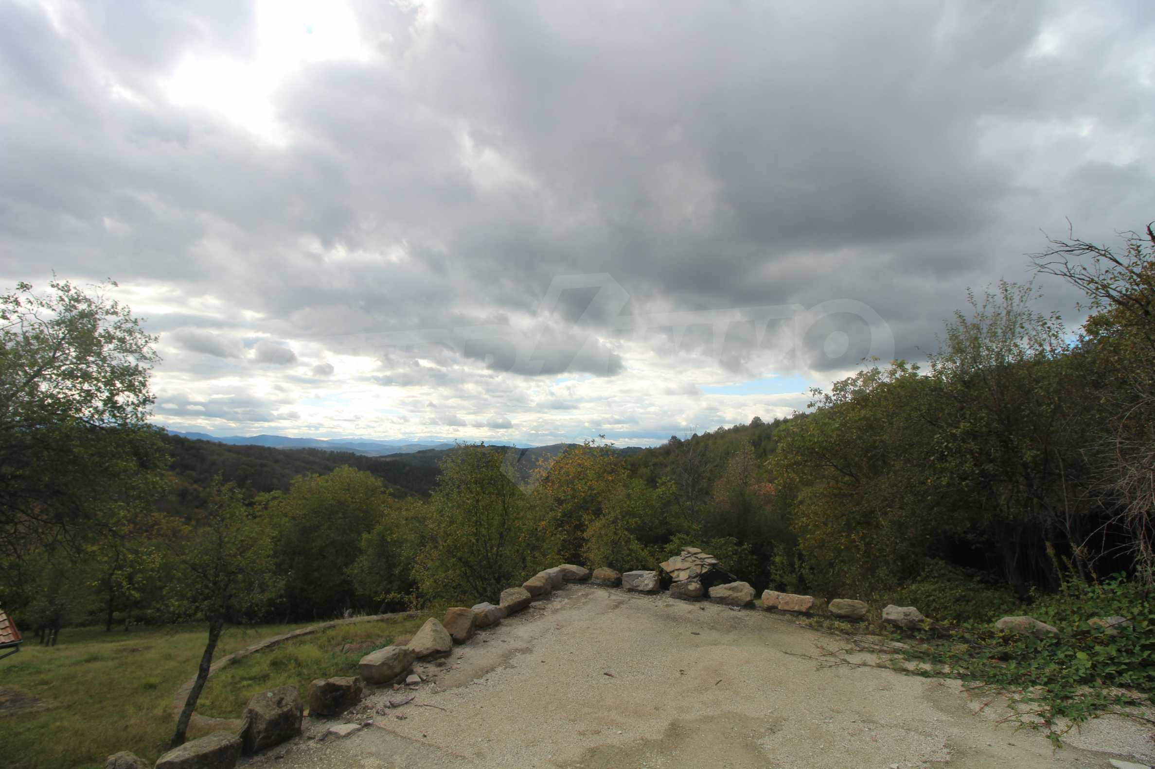 Luxuriöses Berggut mit einem sehr großen Garten auf dem Balkan, 17 km von Tryavna entfernt 6
