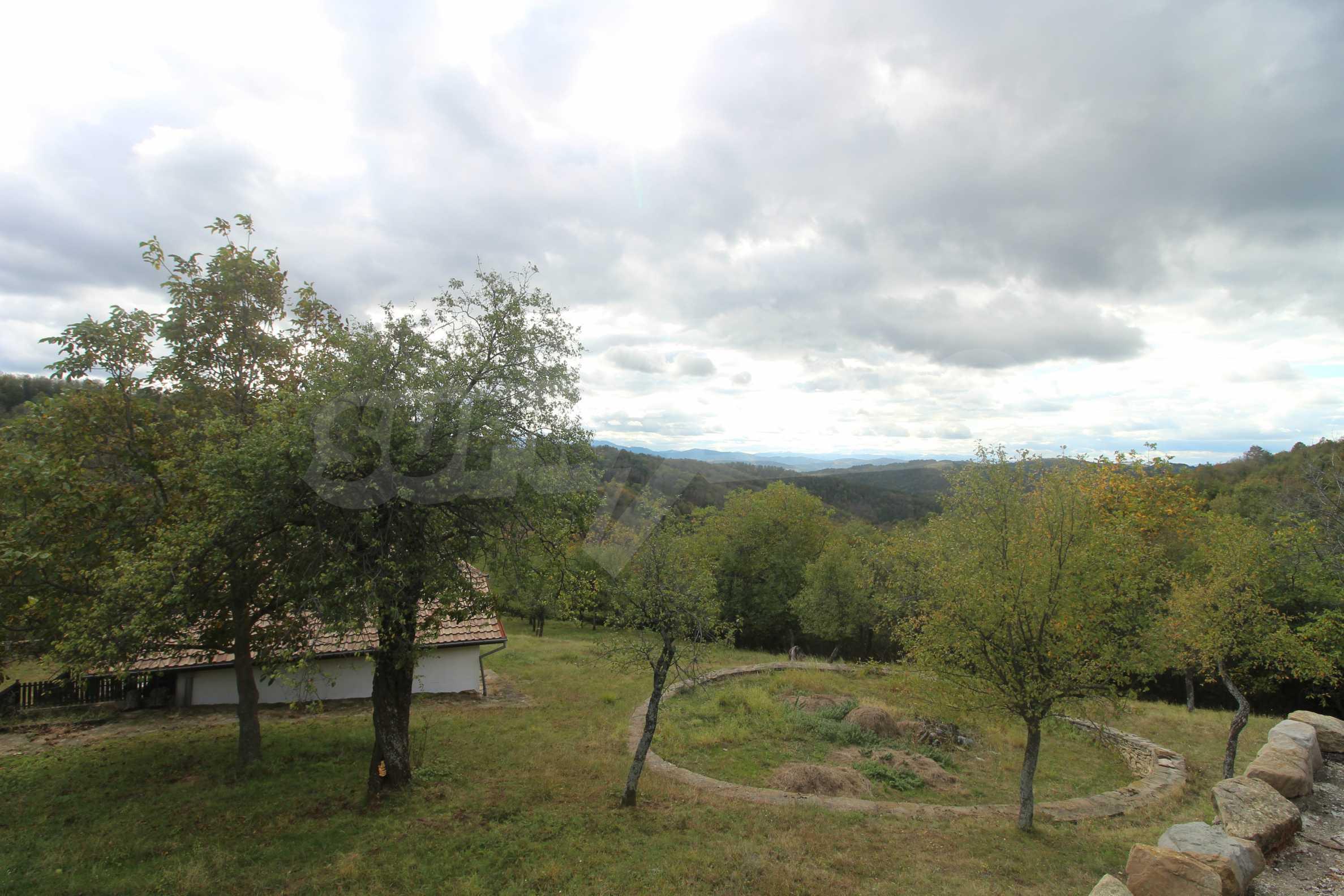 Luxuriöses Berggut mit einem sehr großen Garten auf dem Balkan, 17 km von Tryavna entfernt 7