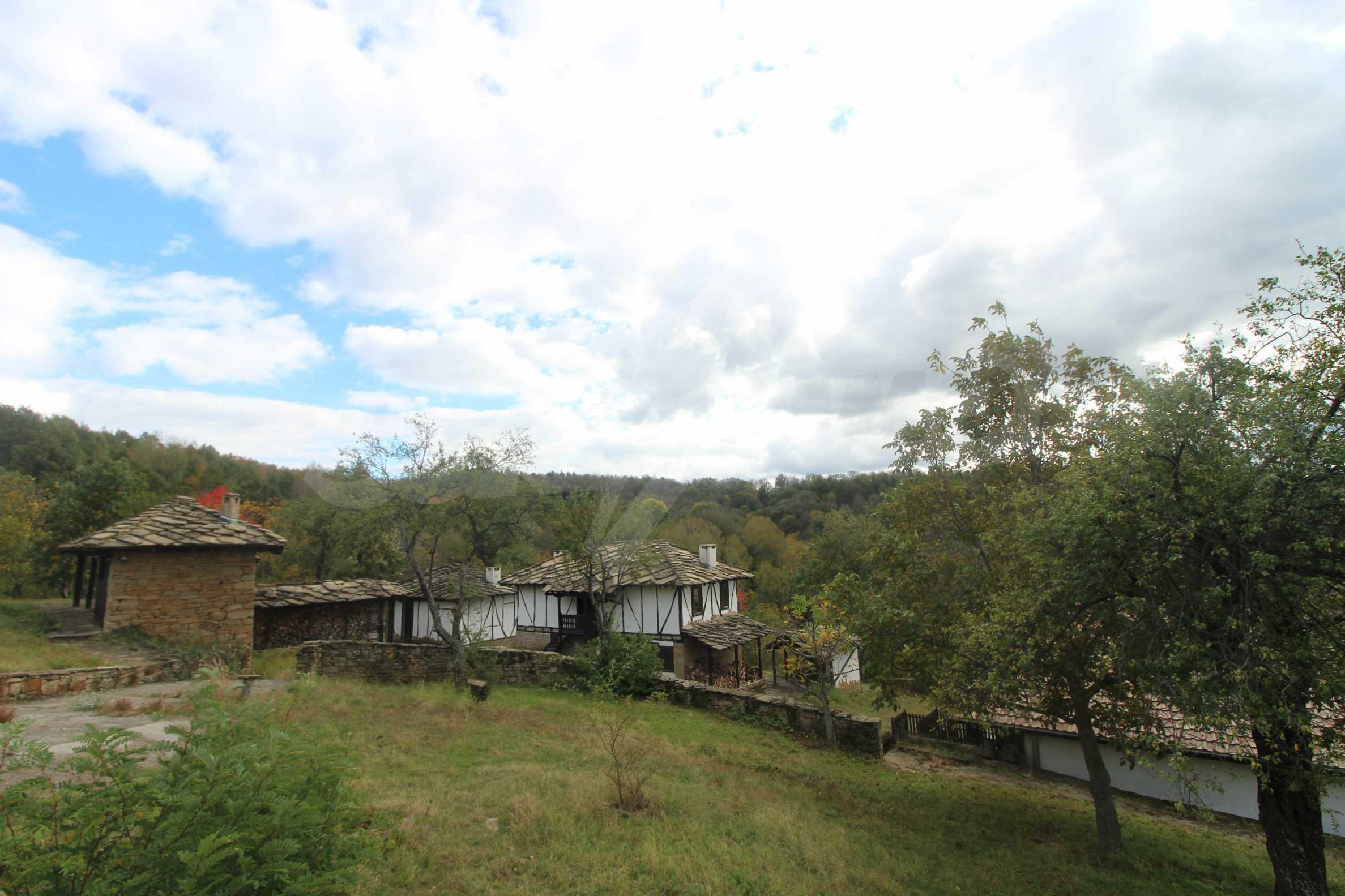 Luxuriöses Berggut mit einem sehr großen Garten auf dem Balkan, 17 km von Tryavna entfernt 8