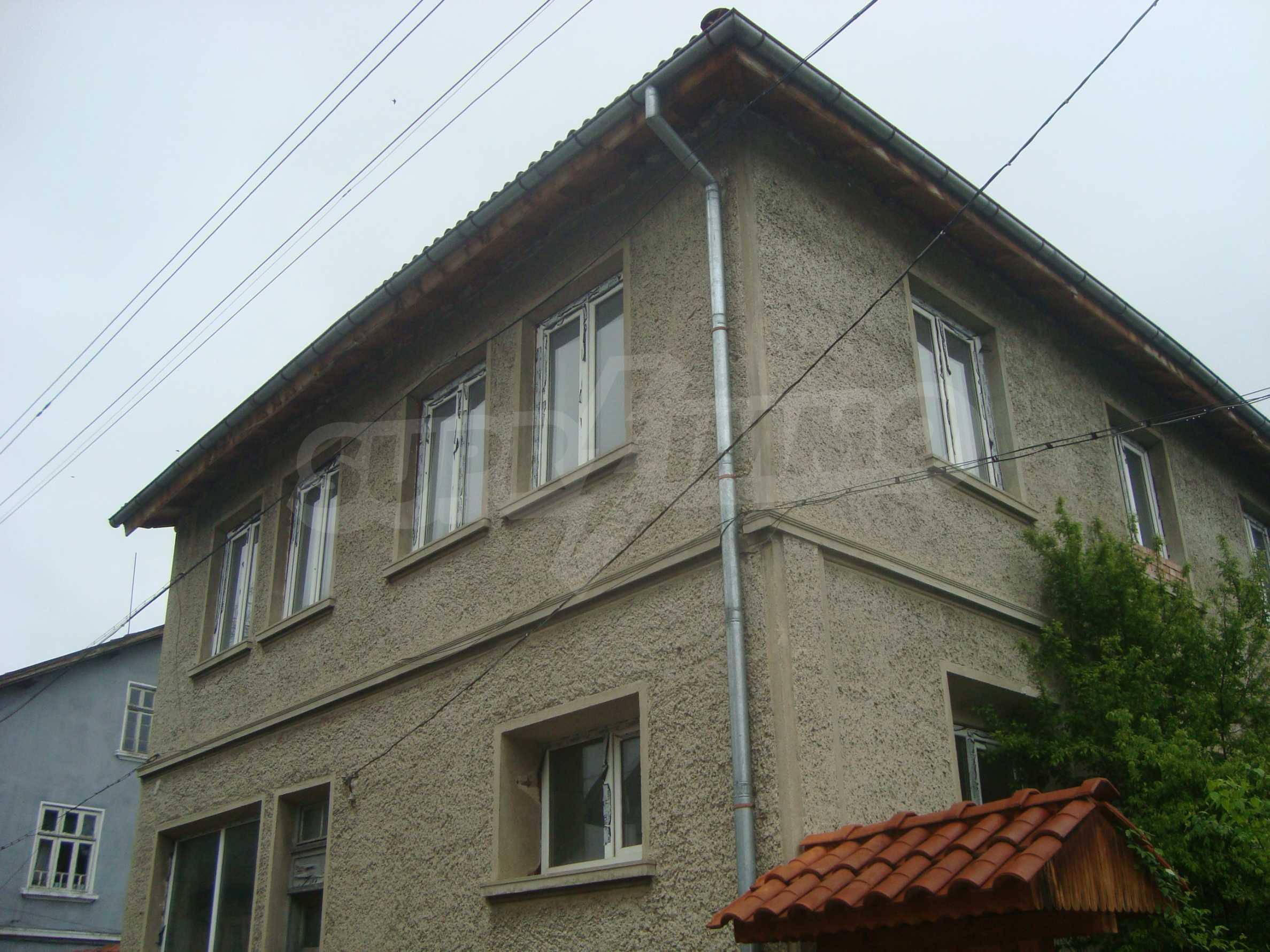 Großes, solides Landhaus nur 6 km von Dryanovo entfernt