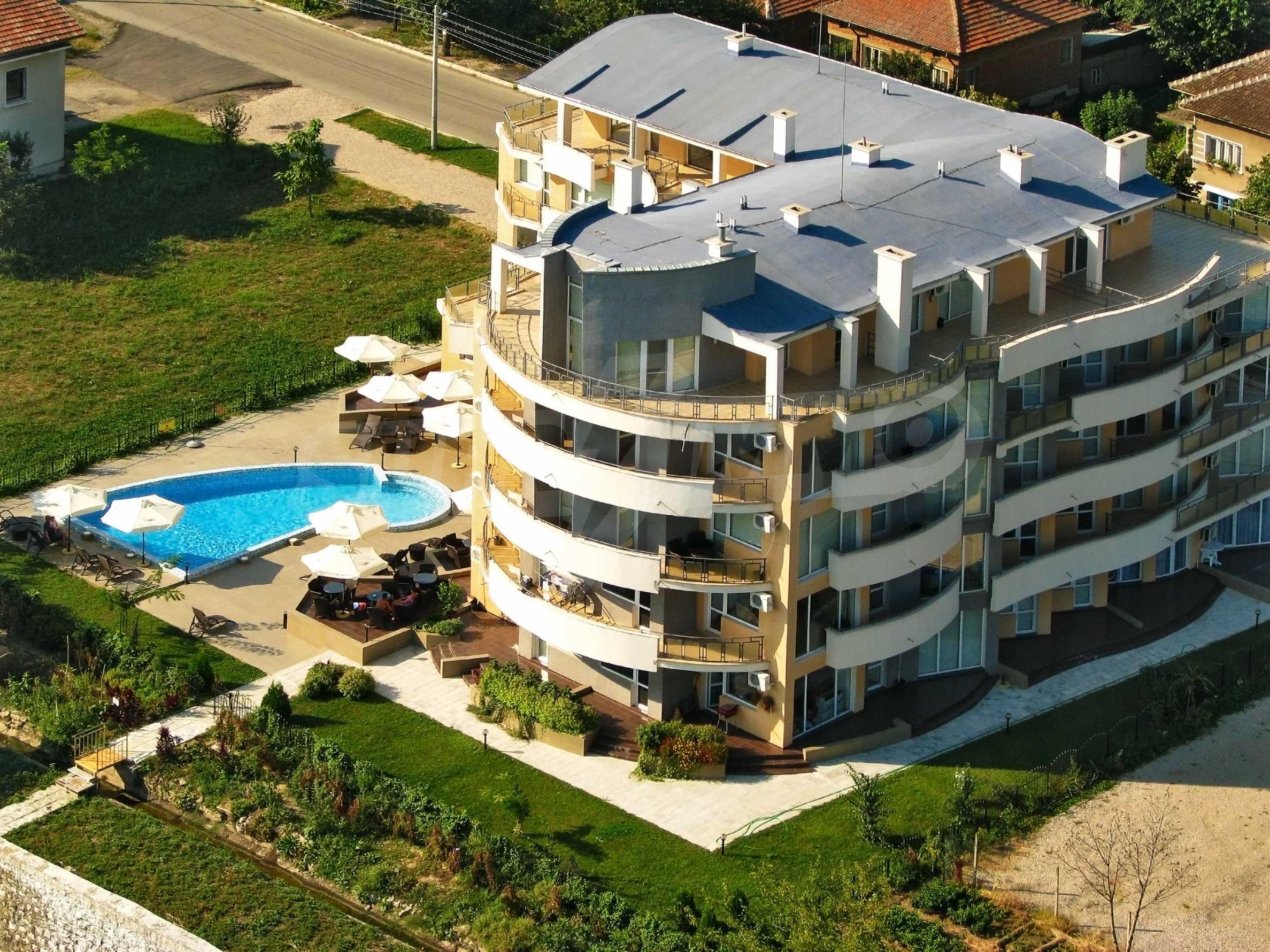 Тристаен апартамент в комплекс от затворен тип, Видинско