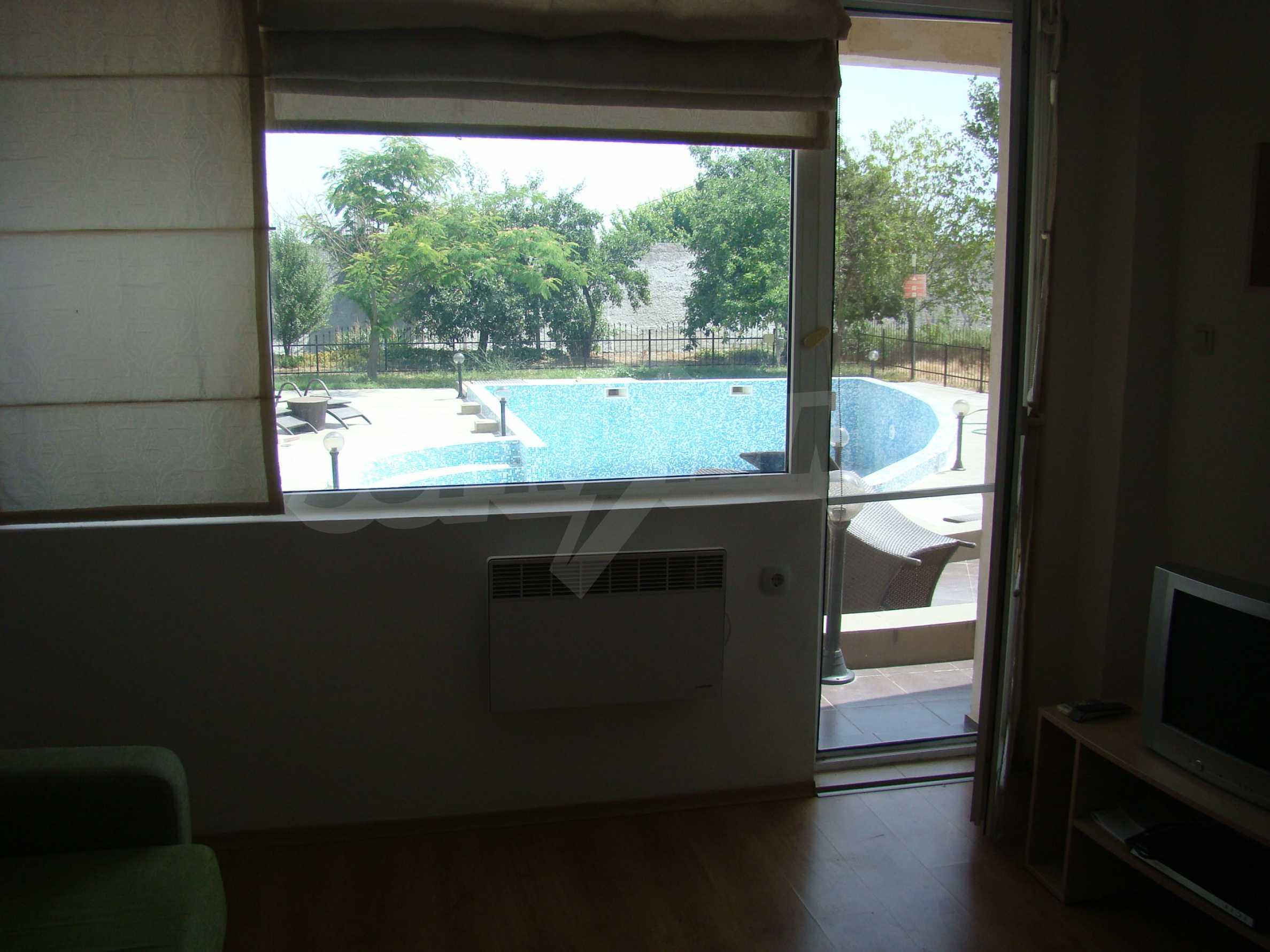 Тристаен апартамент в комплекс от затворен тип, Видинско 7