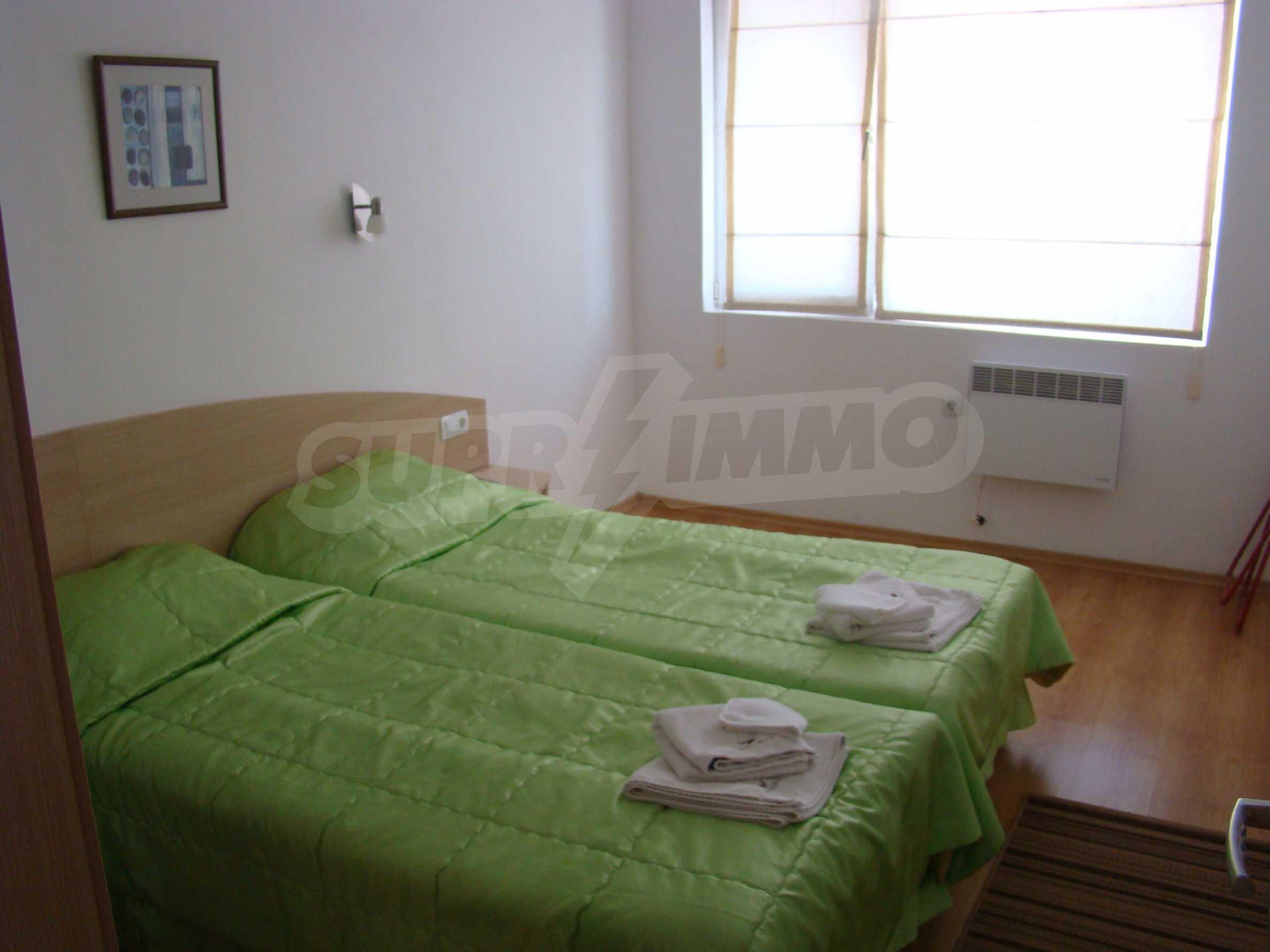 Тристаен апартамент в комплекс от затворен тип, Видинско 8