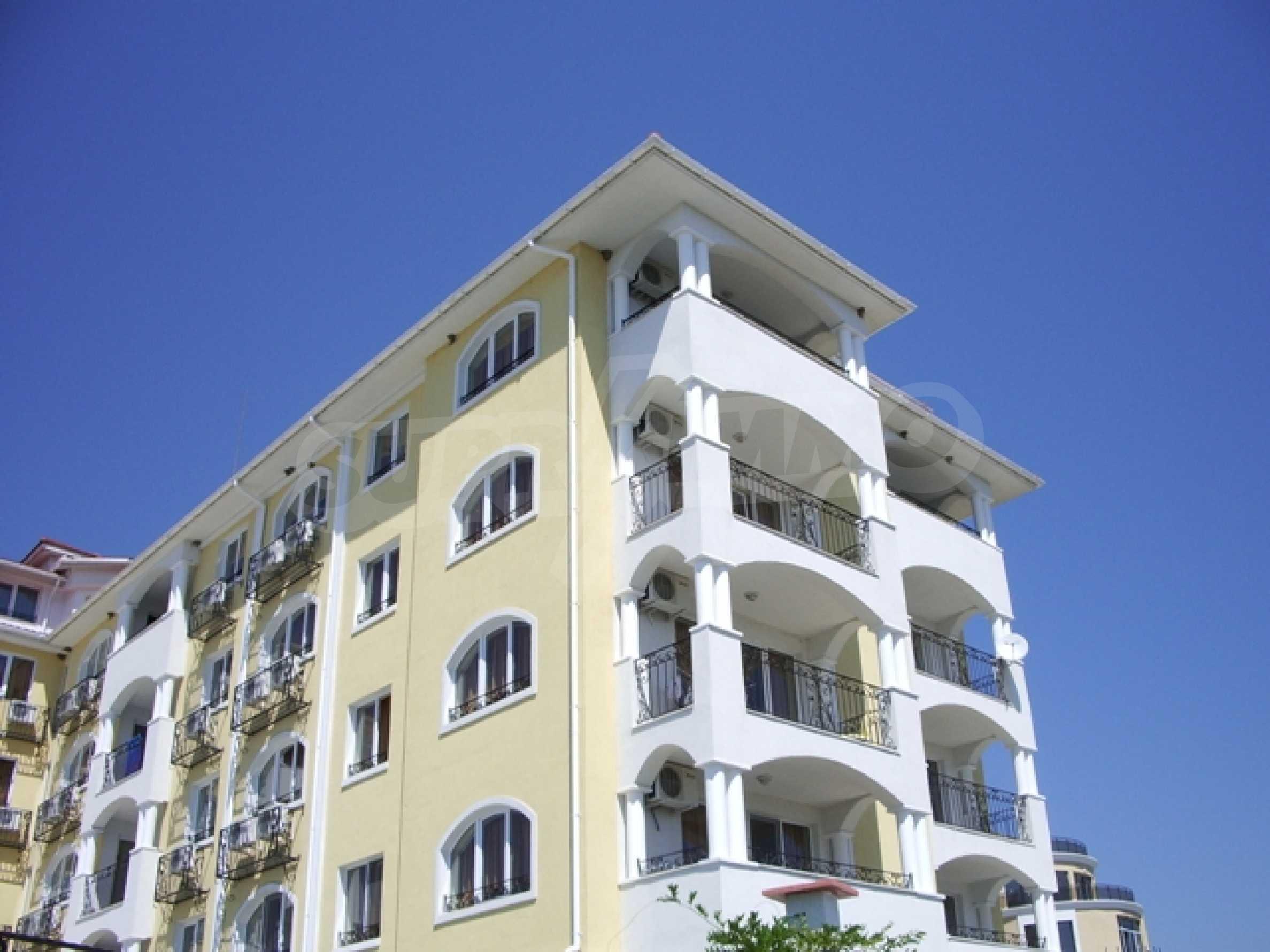 Distinctive 2-bedroom apartment with seaview