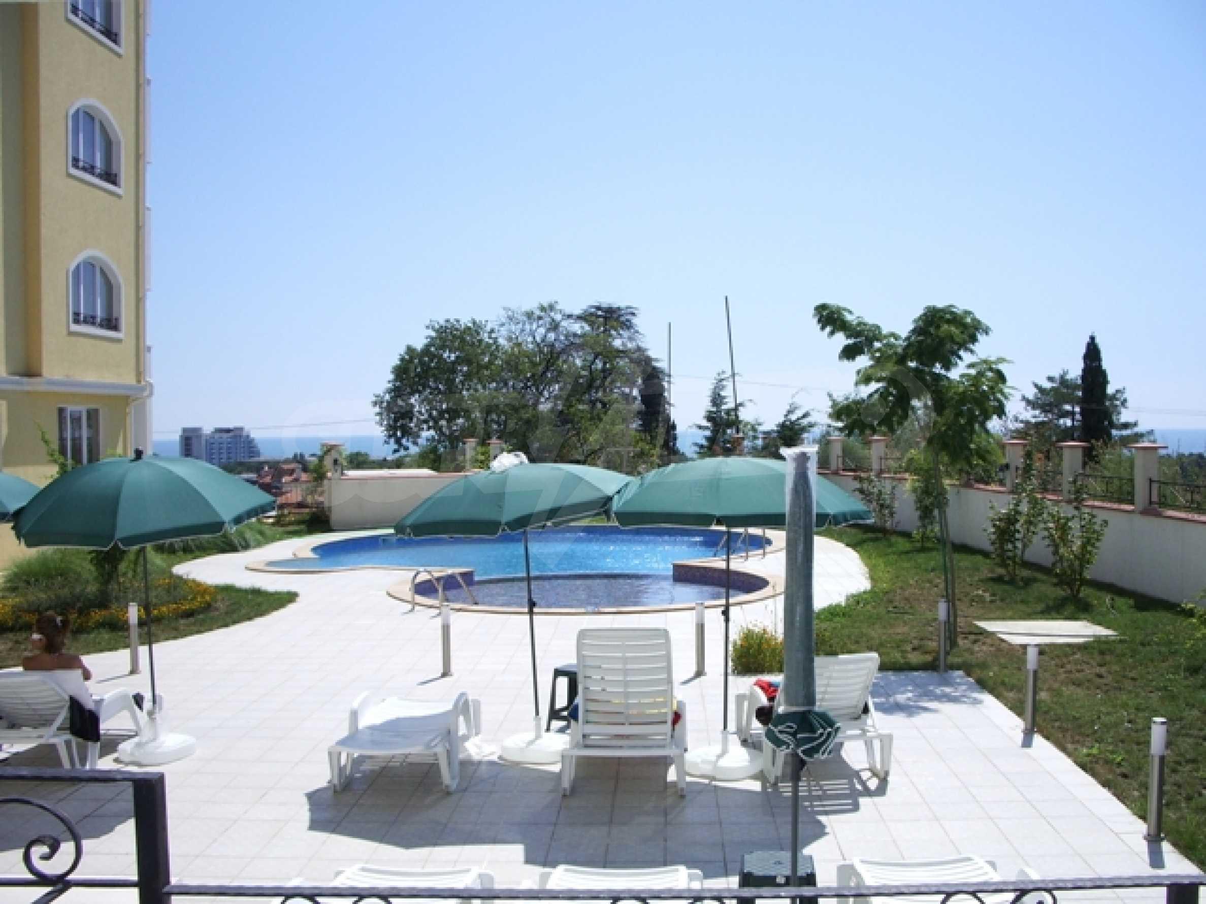 Distinctive 2-bedroom apartment with seaview 11