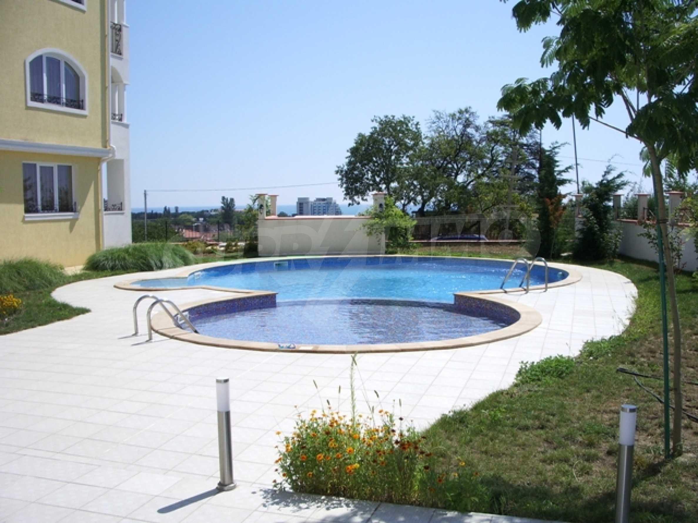 Distinctive 2-bedroom apartment with seaview 12