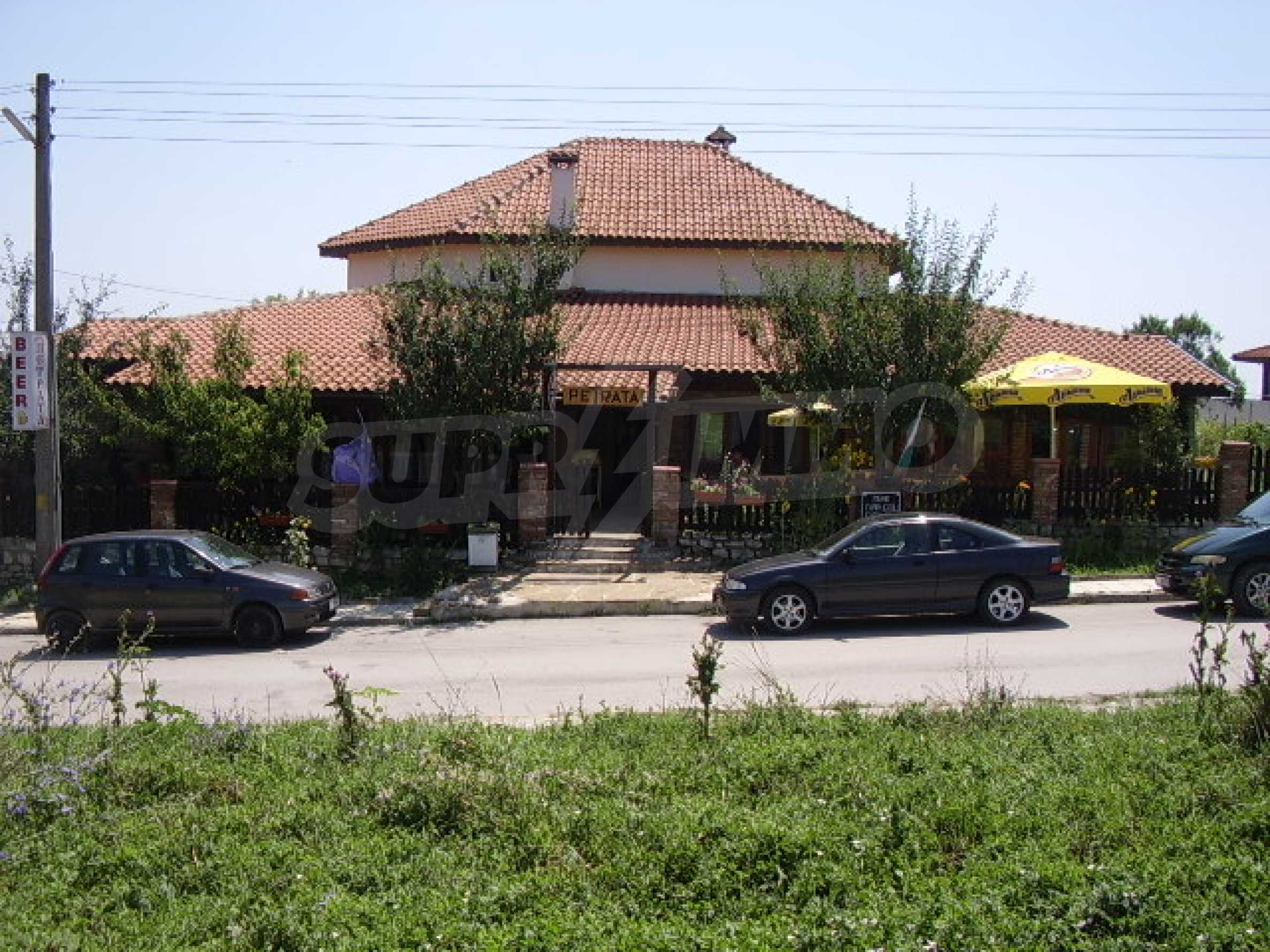 House with restaurant for sale 4