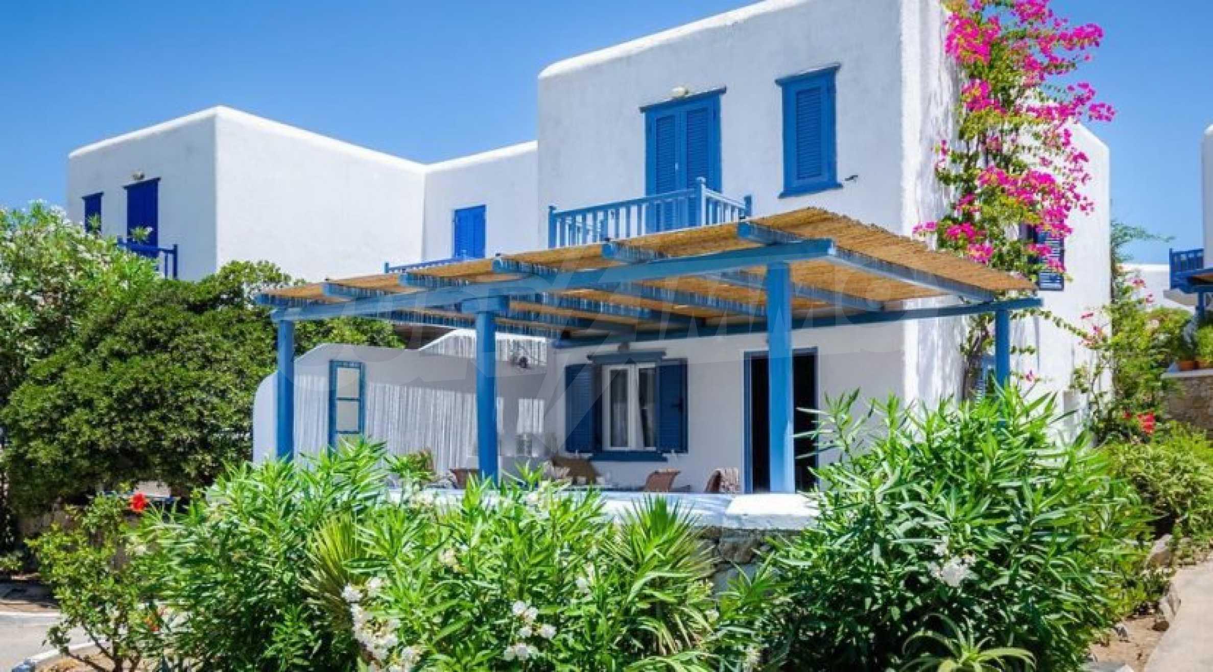 Вила в затворен комплекс на морски залив, о. Миконос