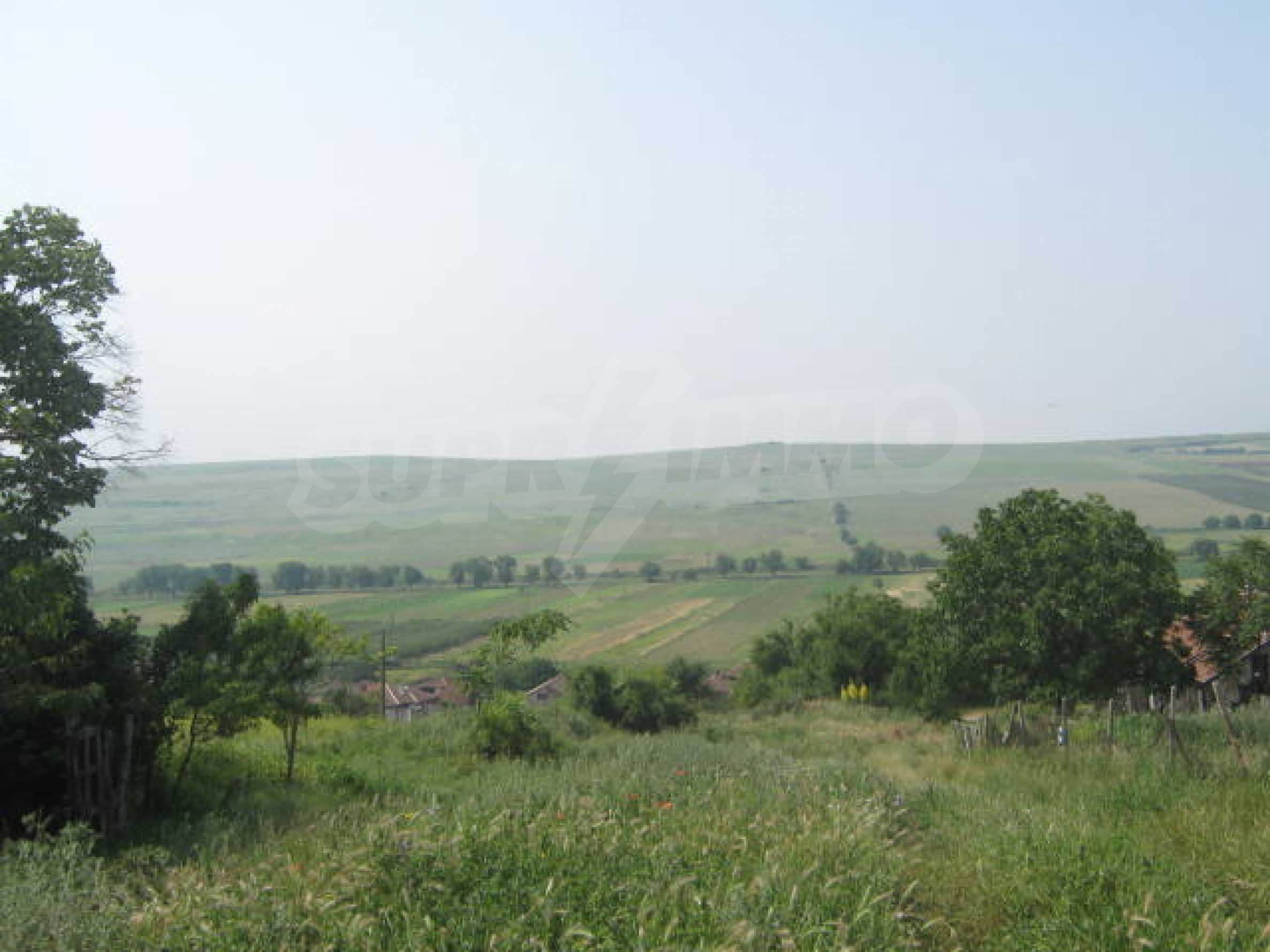 Селска къща с голям двор на 13 км от Видин 9
