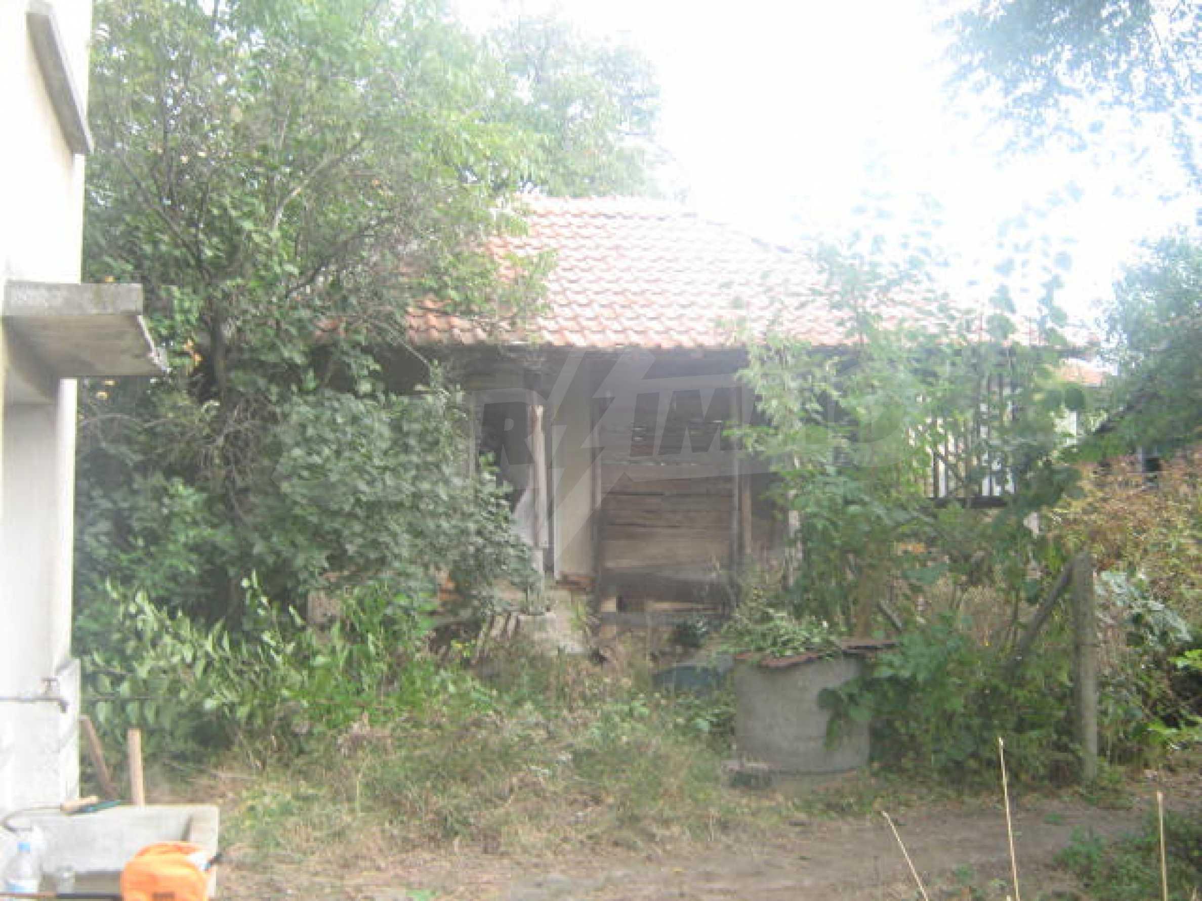 Голяма къща близо до Видин 11