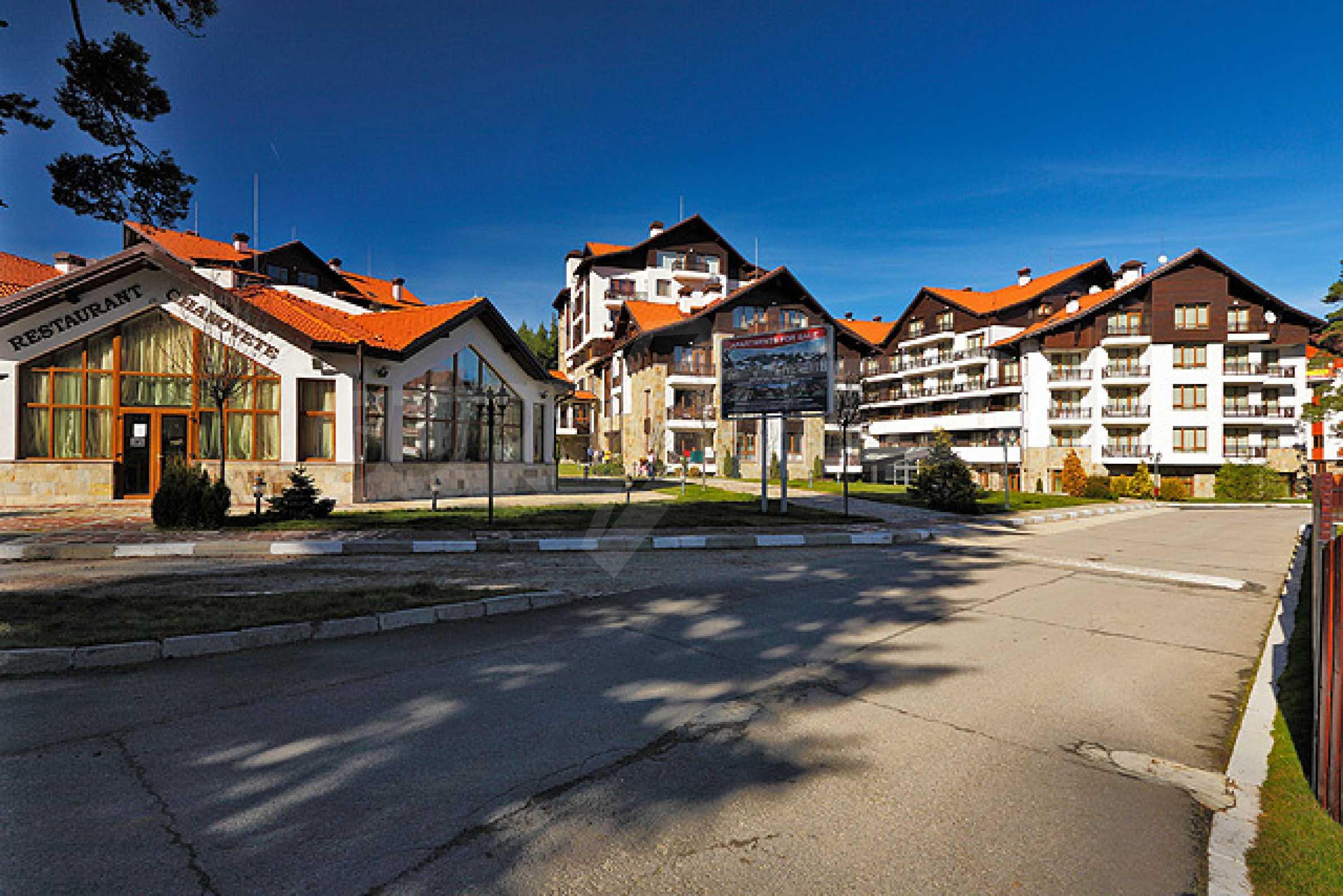 Първокласни апартаменти за продажба на метри от писта Ястребец в Боровец 4