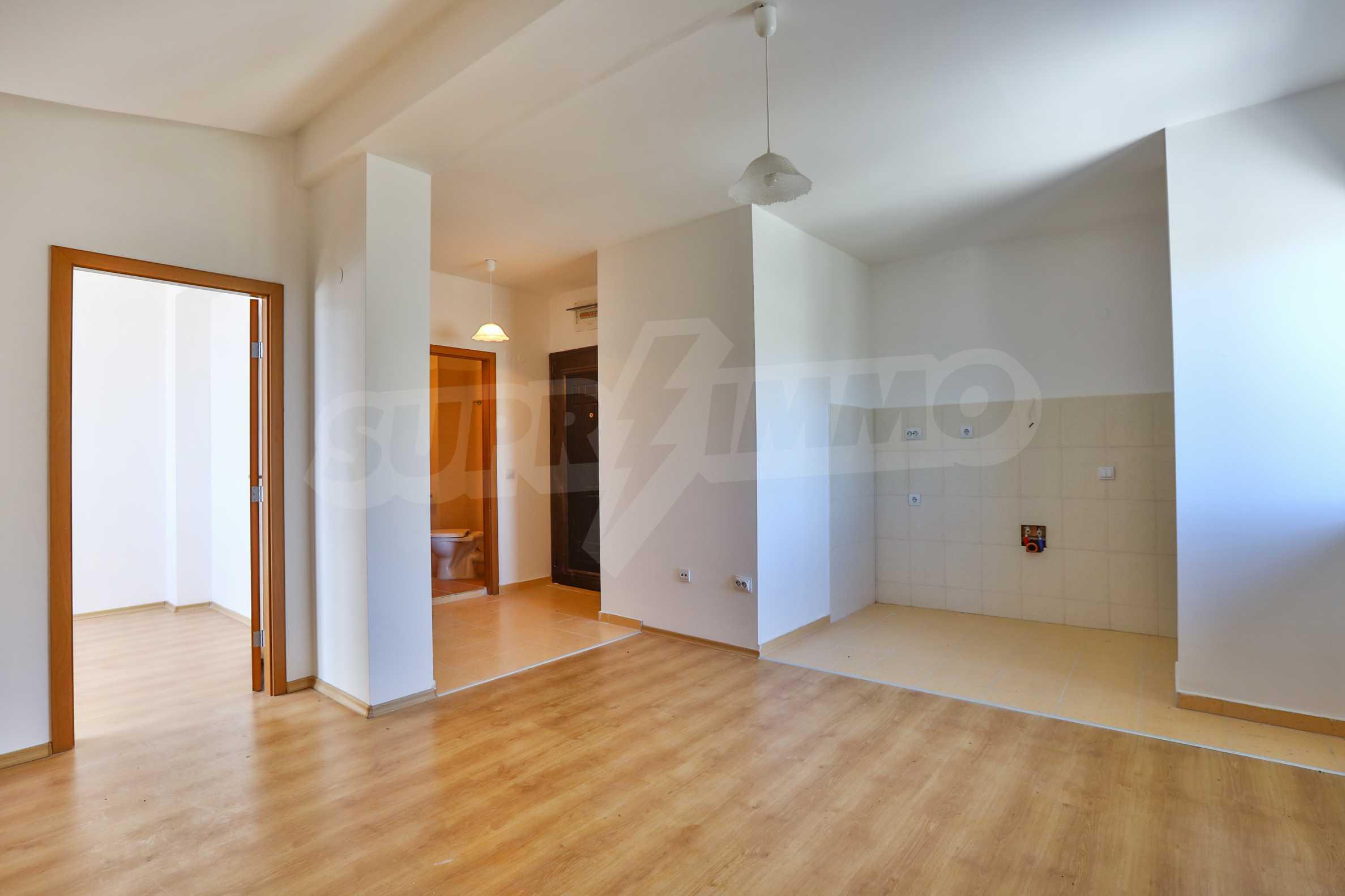 Първокласни апартаменти за продажба на метри от писта Ястребец в Боровец 5