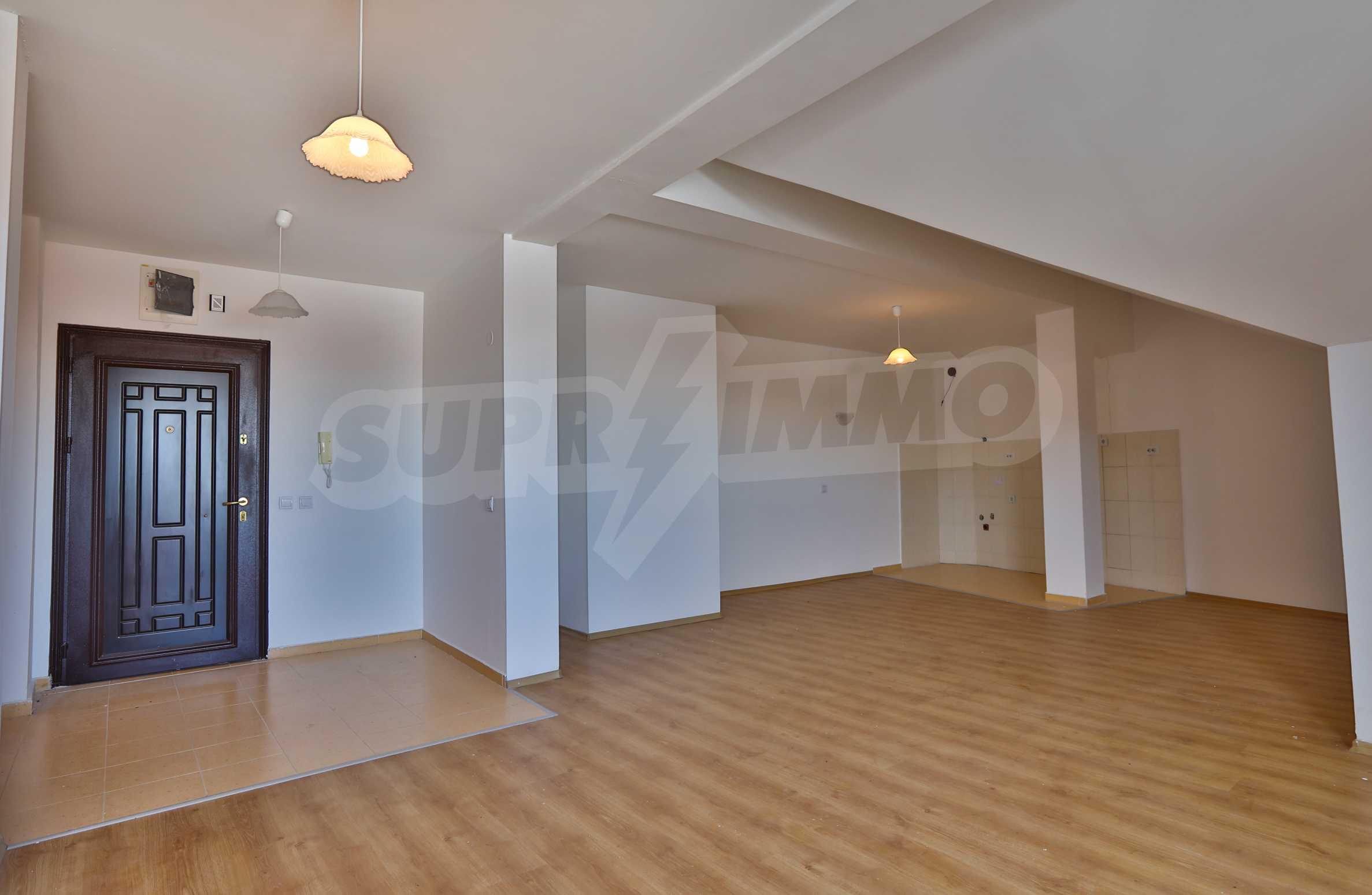 Първокласни апартаменти за продажба на метри от писта Ястребец в Боровец 8