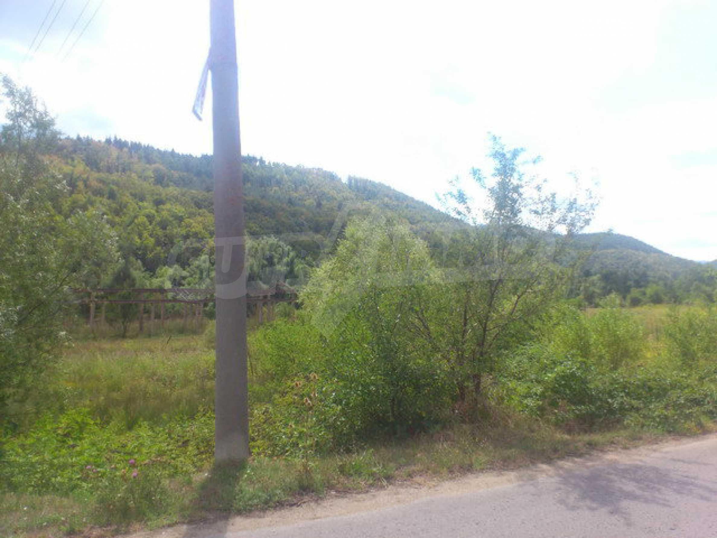 Plot of land near the river near town Tryavna 8