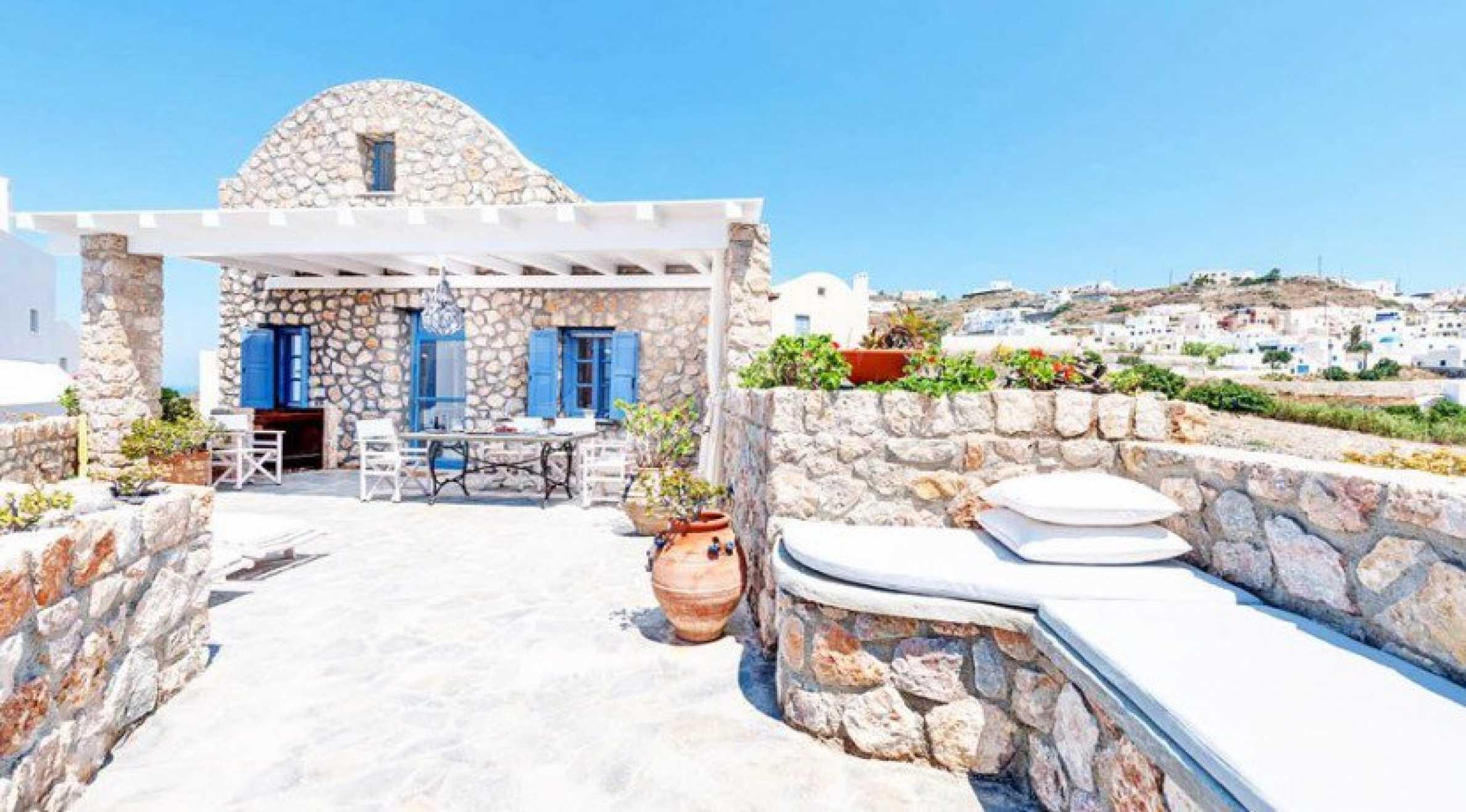 Първокласен имот до Белия плаж на остров Санторини