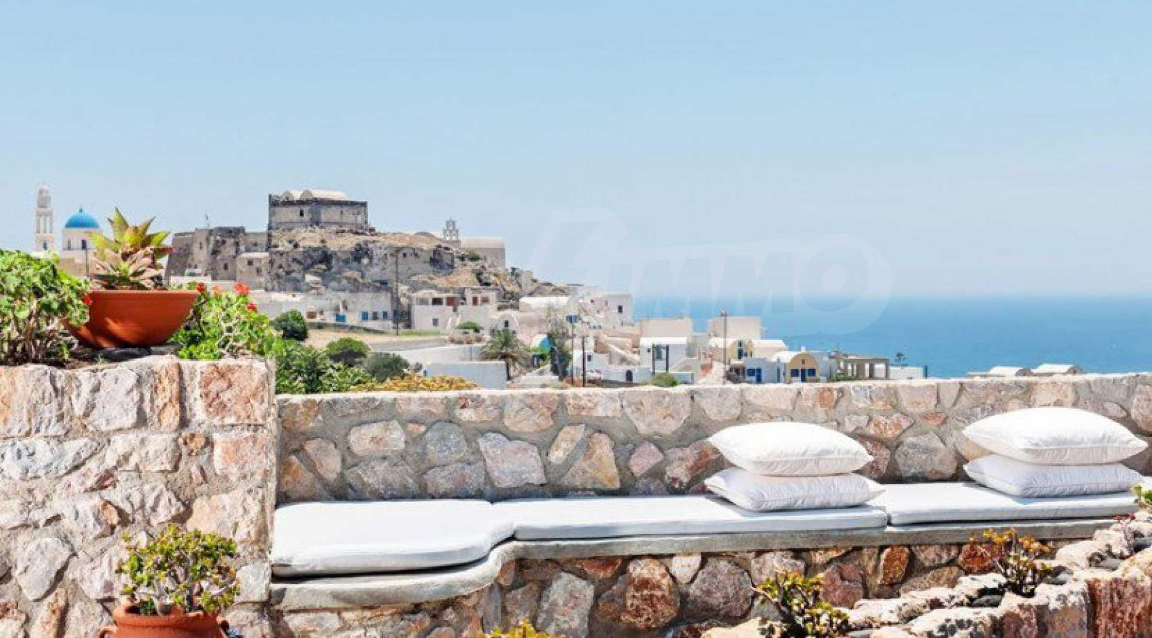 Първокласен имот до Белия плаж на остров Санторини 14