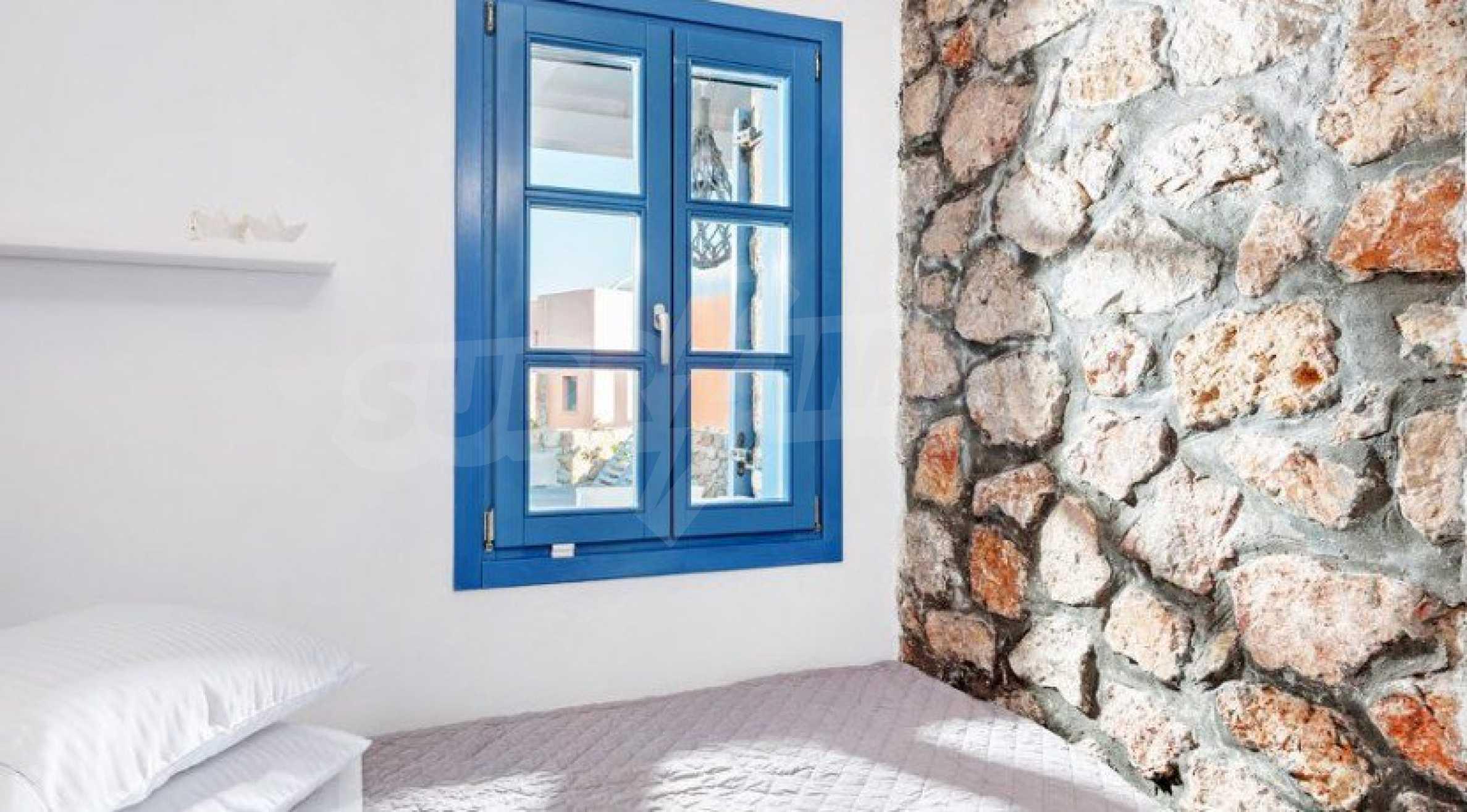 Първокласен имот до Белия плаж на остров Санторини 6