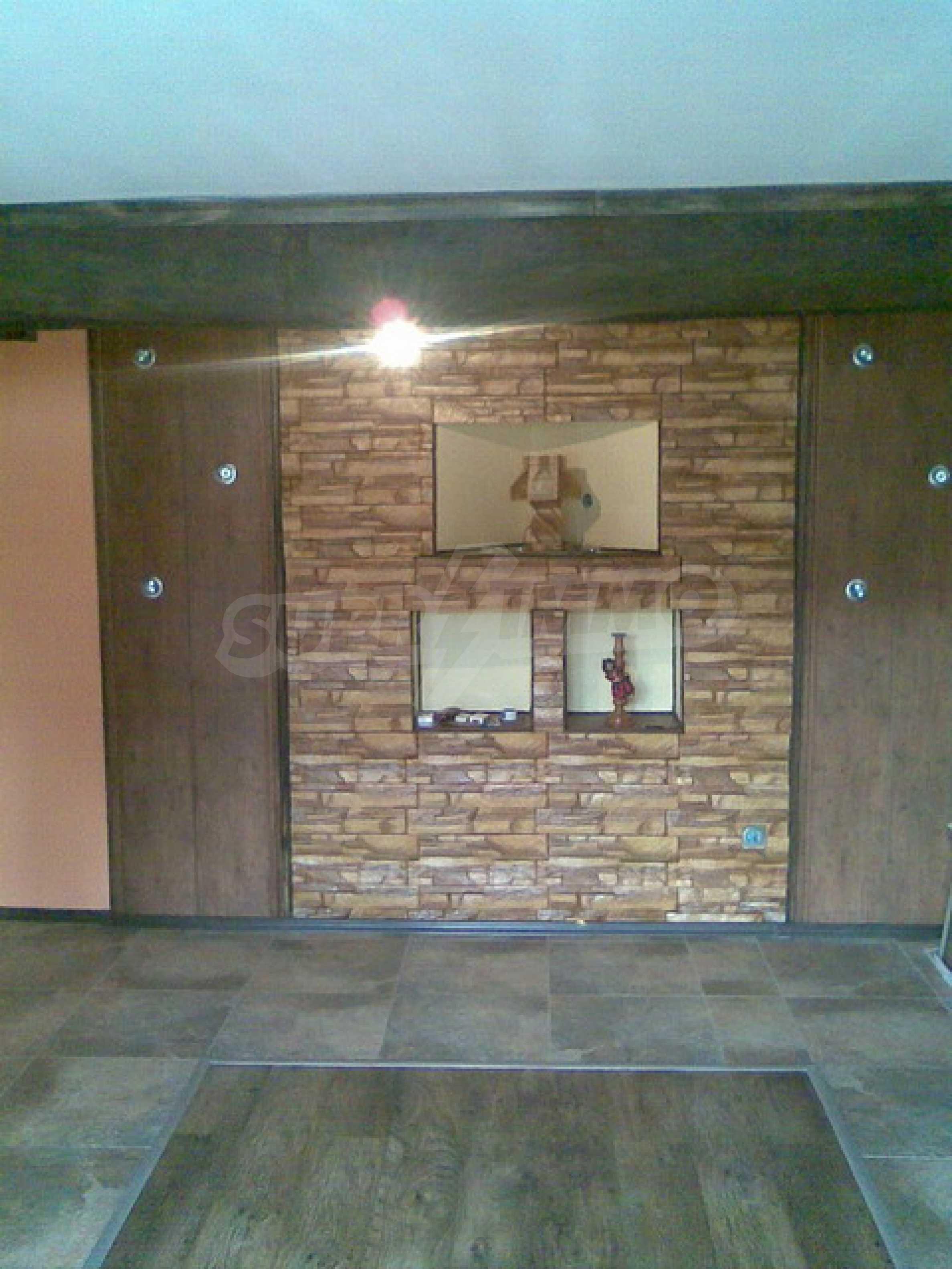 Ремонтиран етаж от къща в идеален център на град Трявна 4