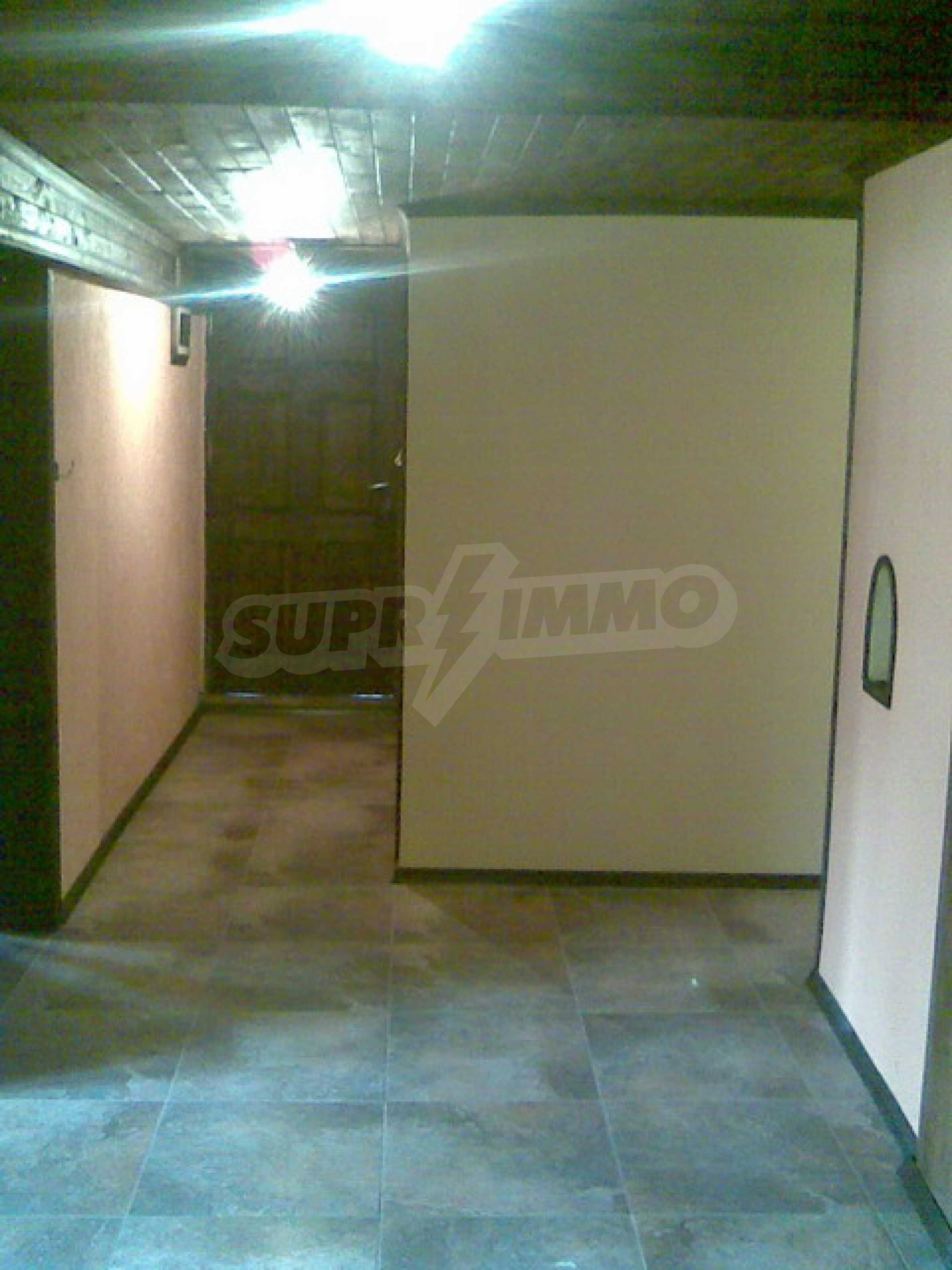 Ремонтиран етаж от къща в идеален център на град Трявна 7
